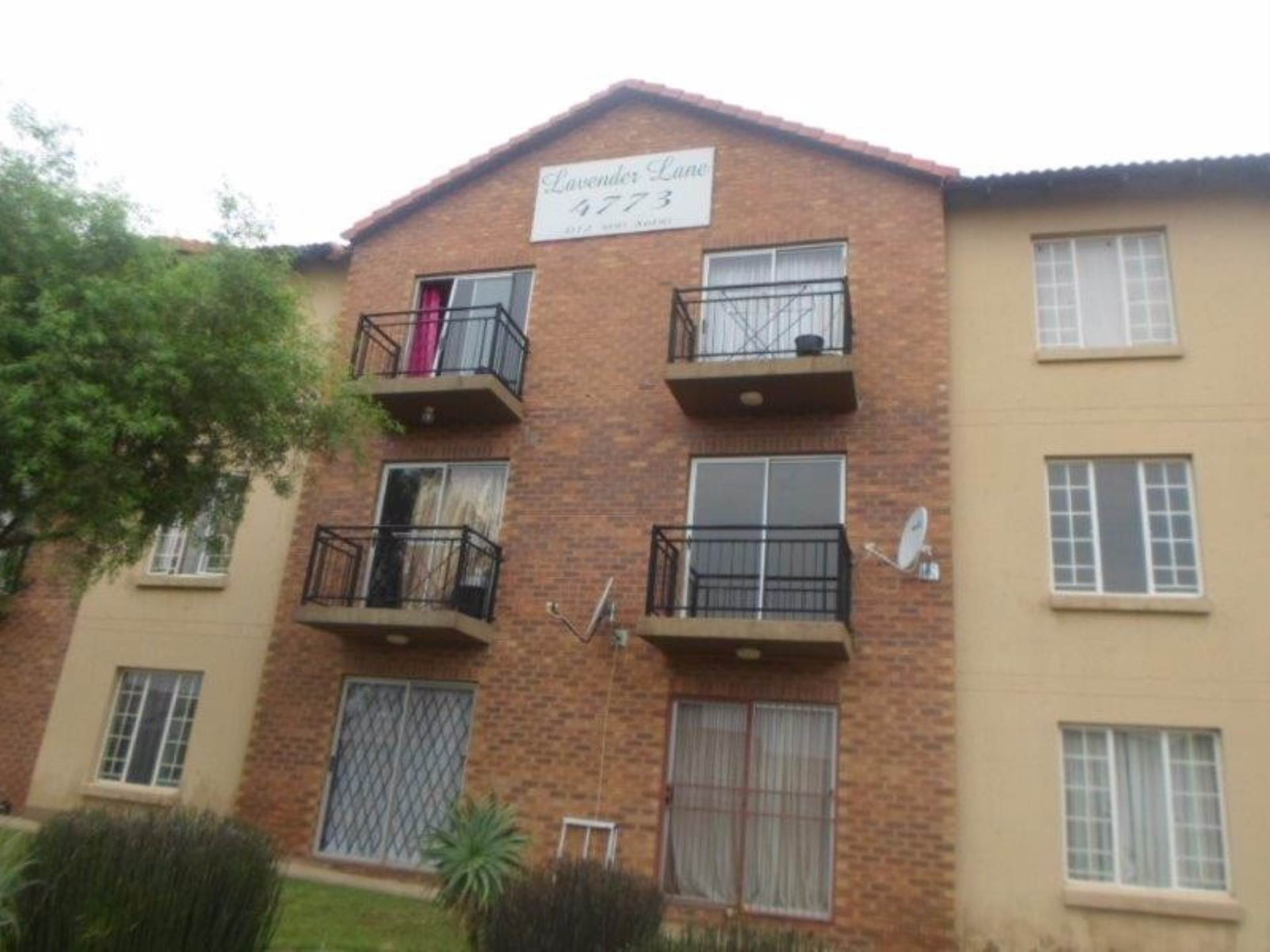 2 BedroomFlat To Rent In Kosmosdal