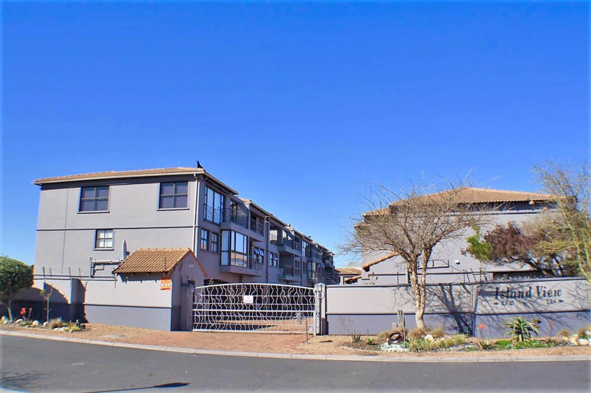 3 BedroomTownhouse For Sale In Big Bay