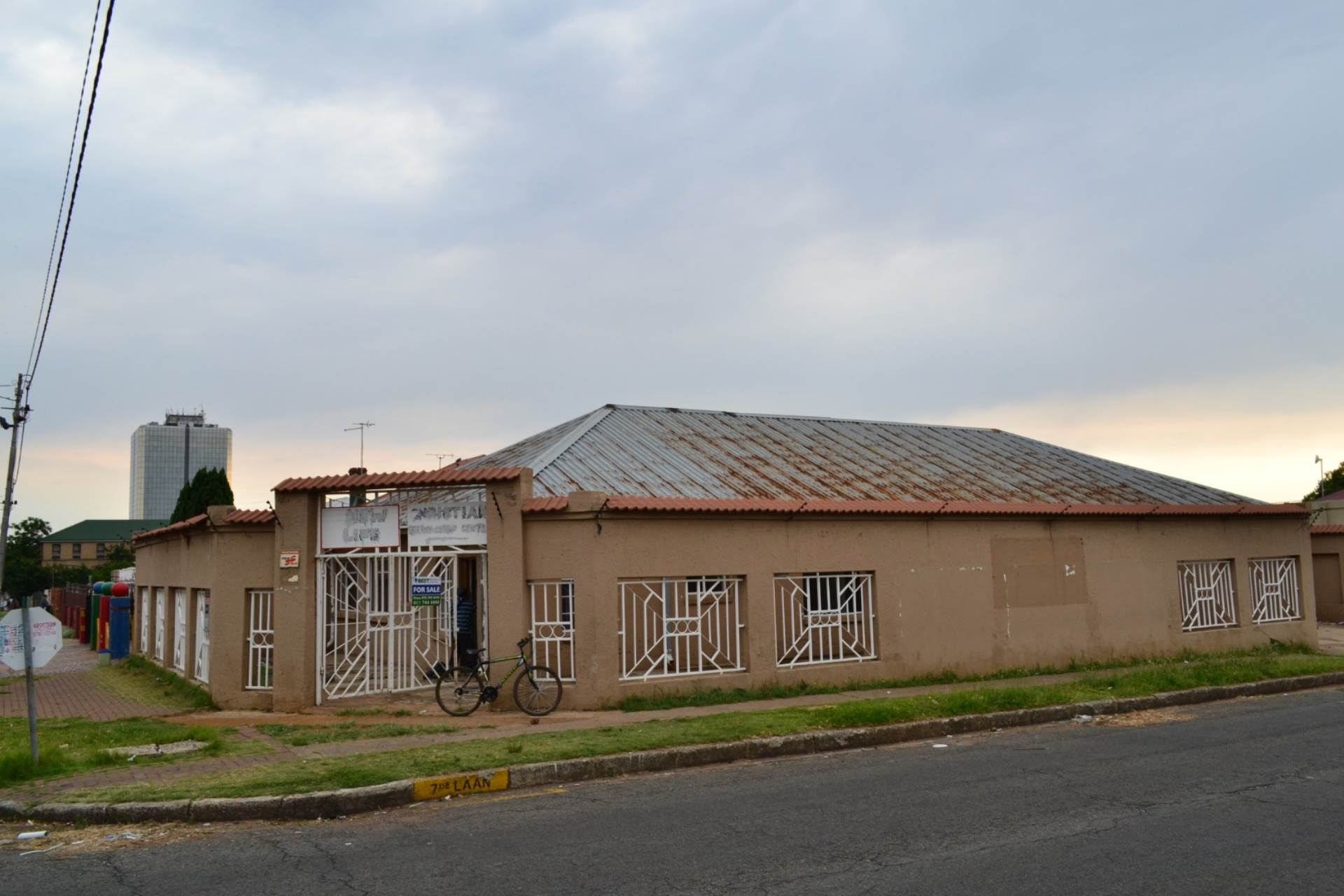 3 BedroomHouse For Sale In Springs Central