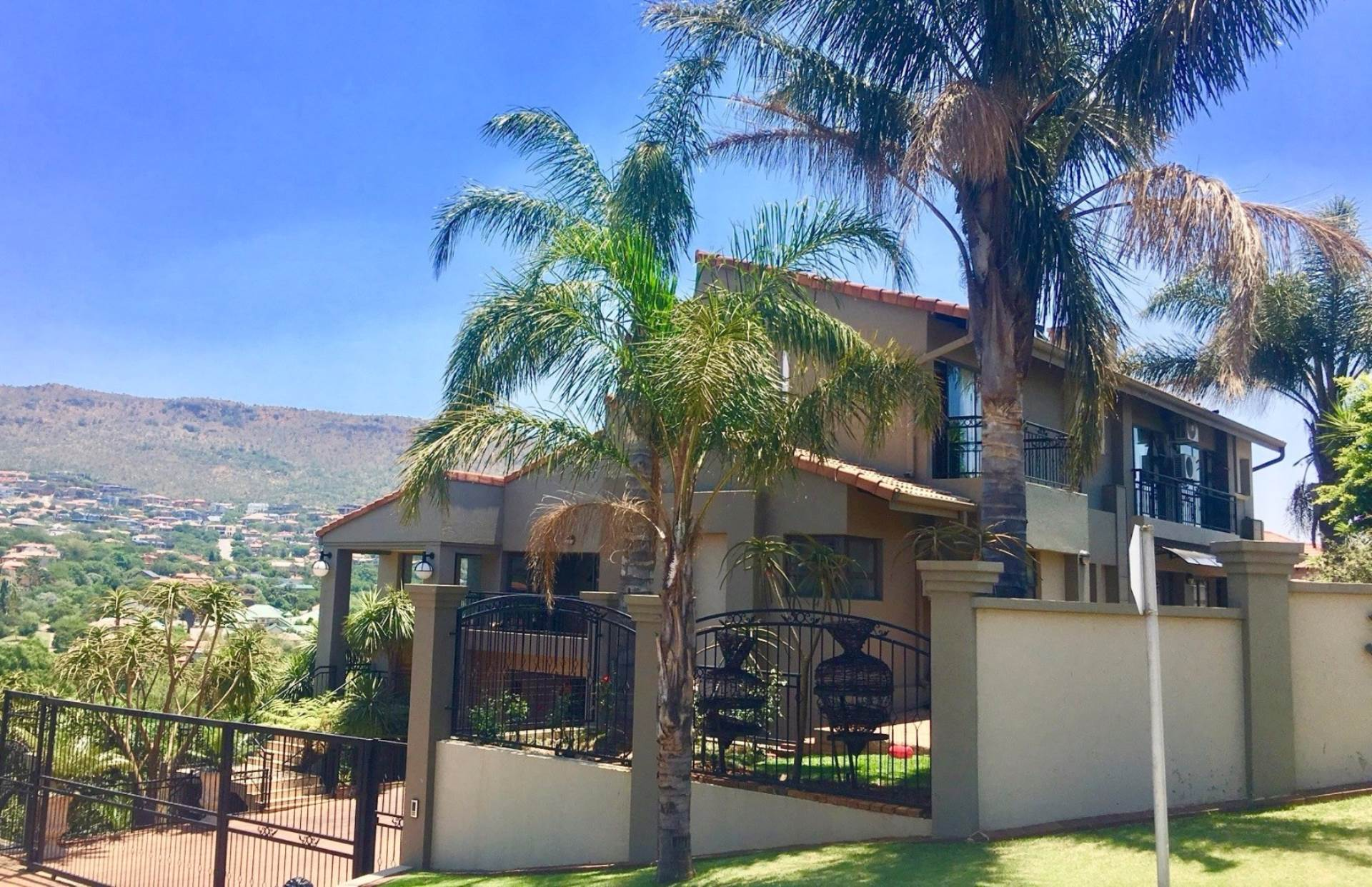 3 BedroomHouse To Rent In Ruimsig Country Estate