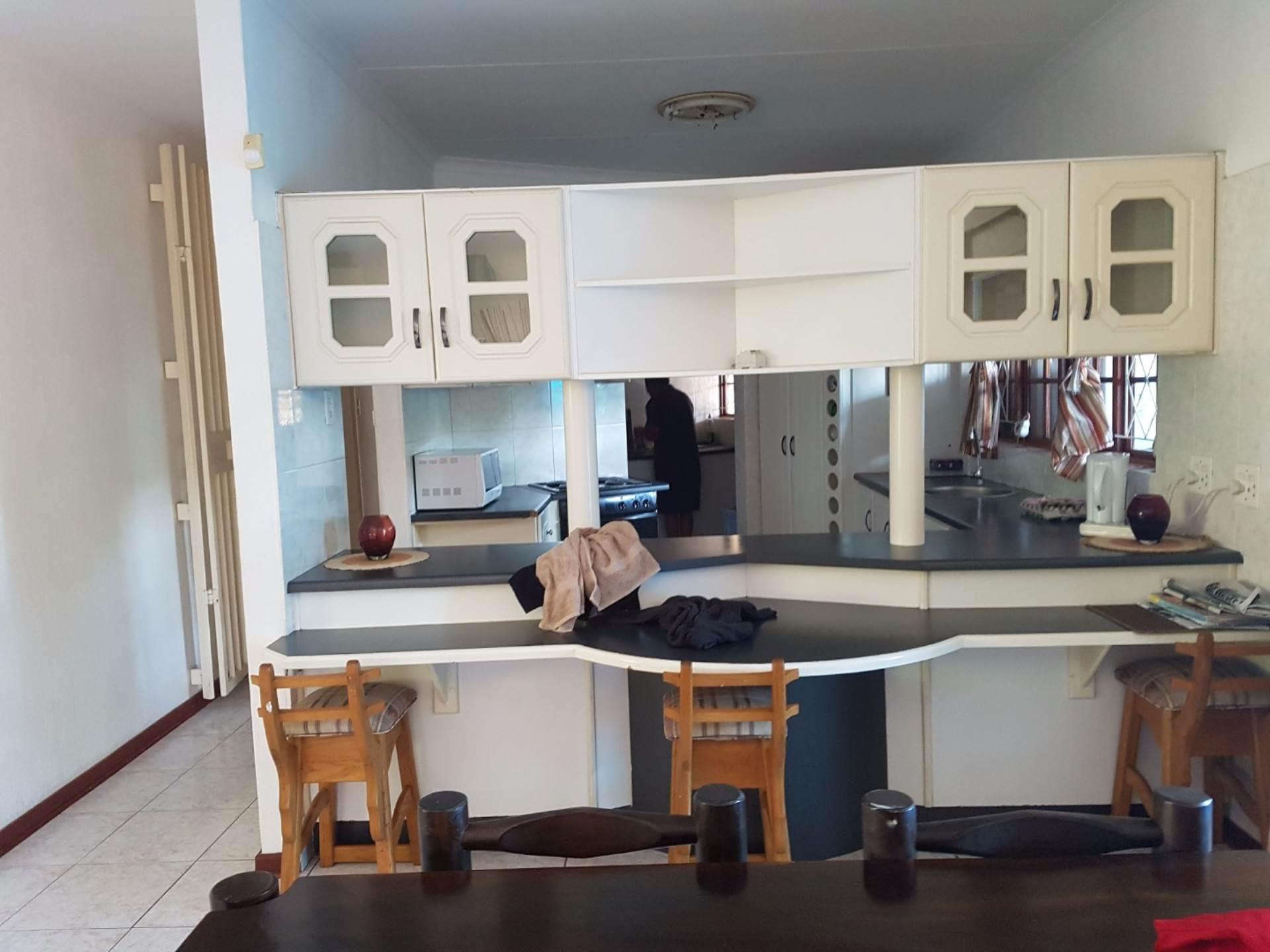 4 BedroomHouse To Rent In Meer En See