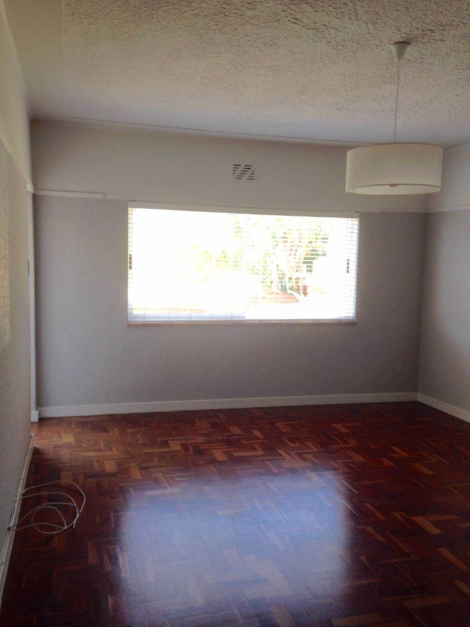 Sea Point property to rent. Ref No: 13563102. Picture no 9