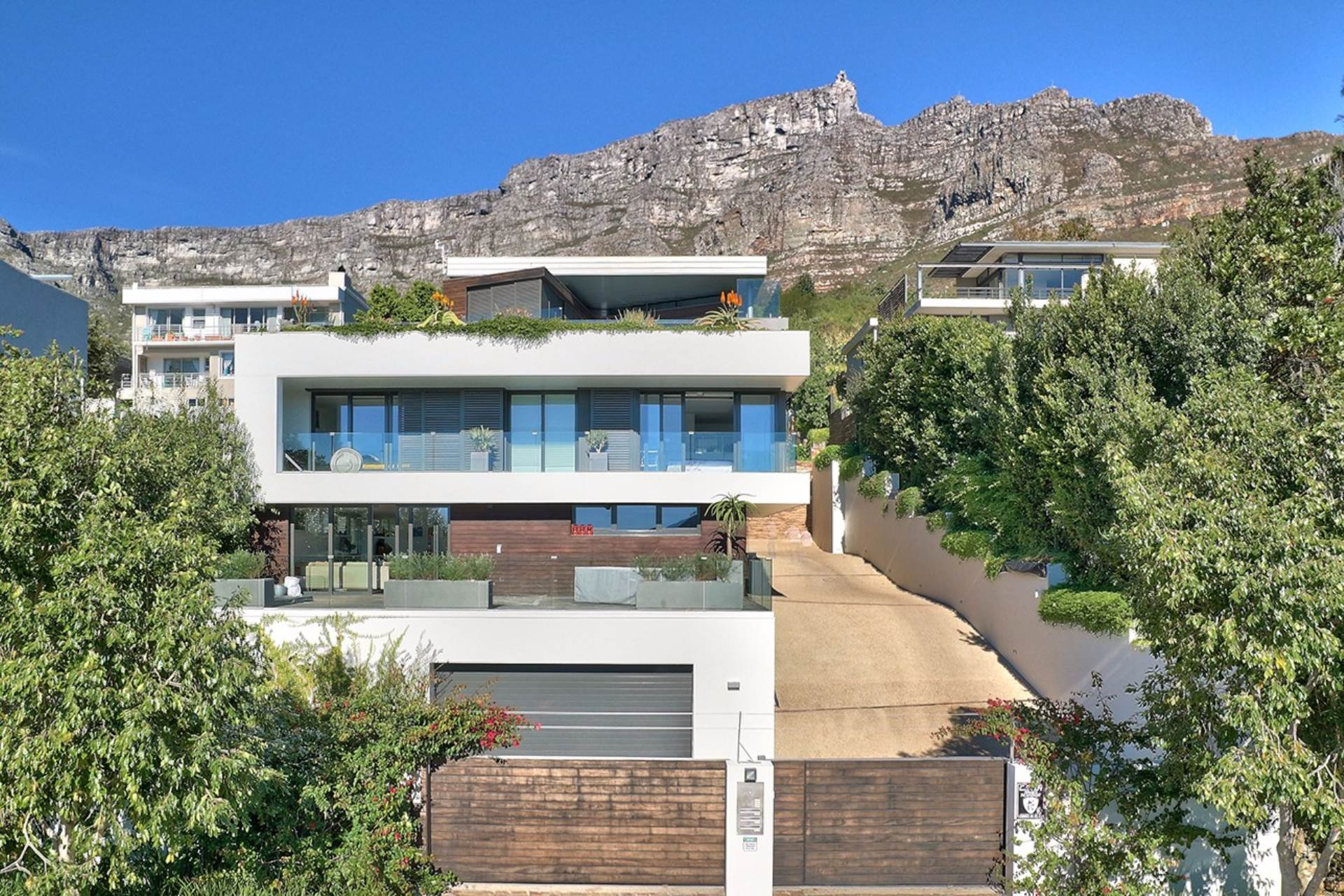 Property Cape Town : Houses For Sale Cape Town (All), HIGGOVALE, House 7 bedrooms property for sale Price:125,000,000