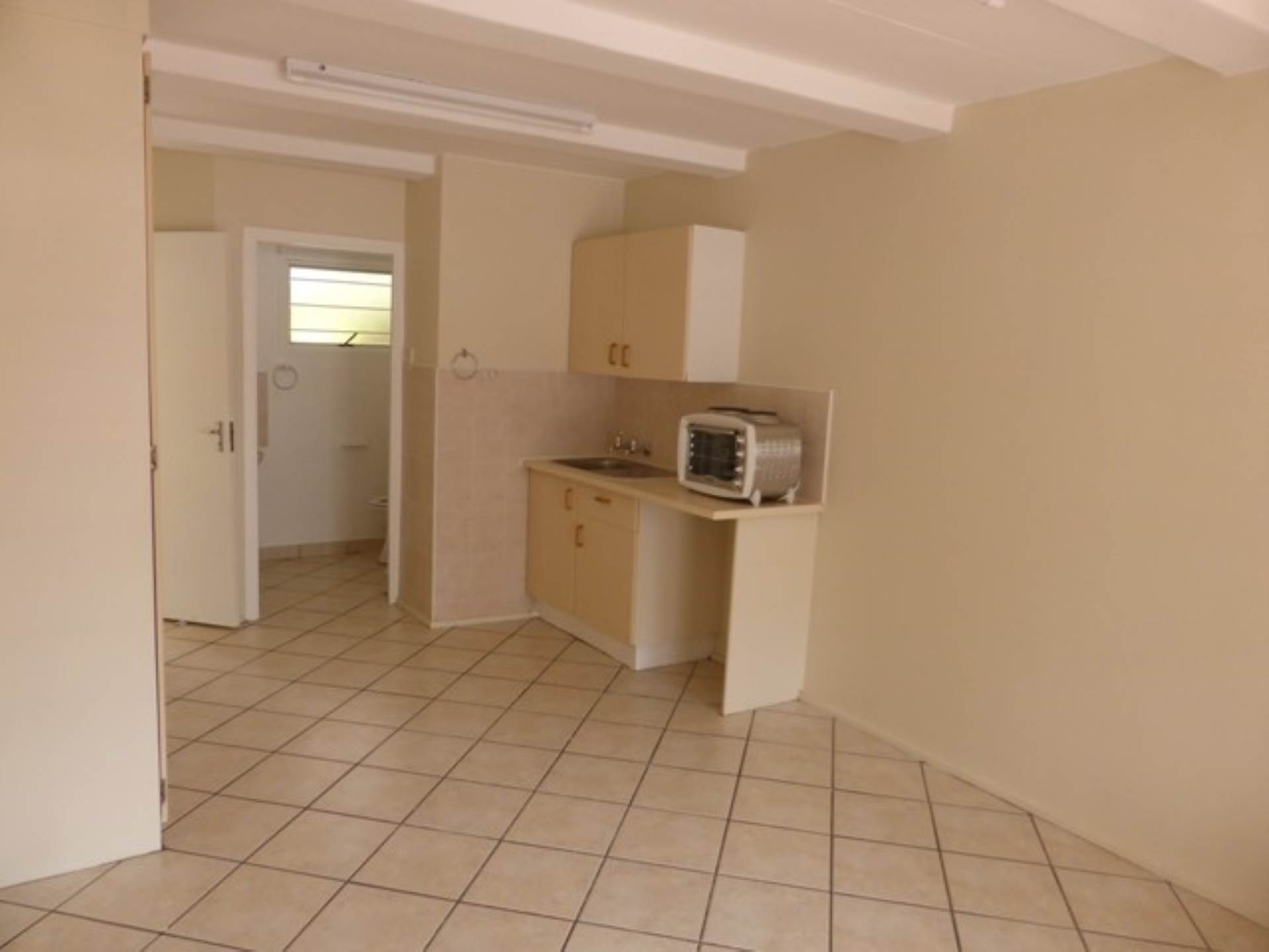 Hatfield property for sale. Ref No: 13563219. Picture no 12