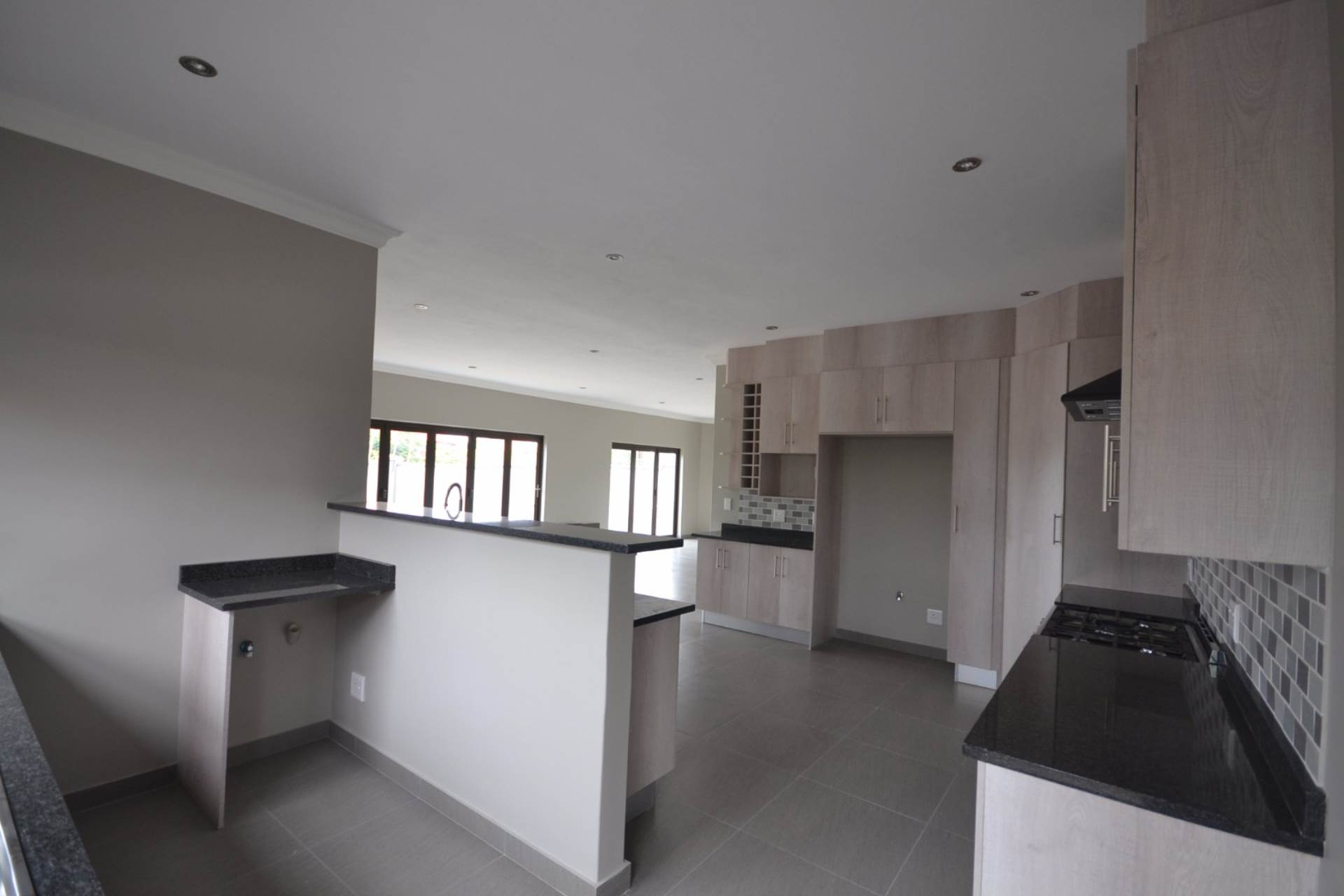 Olympus property for sale. Ref No: 13563411. Picture no 6
