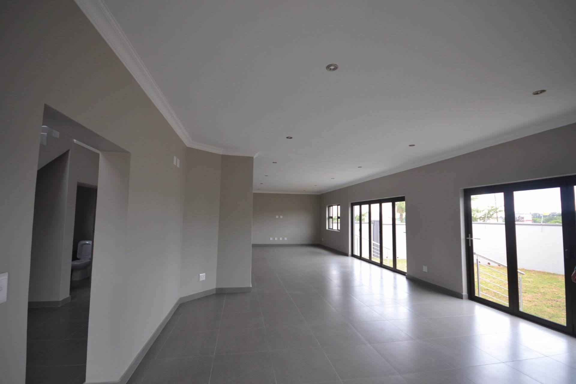 Olympus property for sale. Ref No: 13563411. Picture no 3