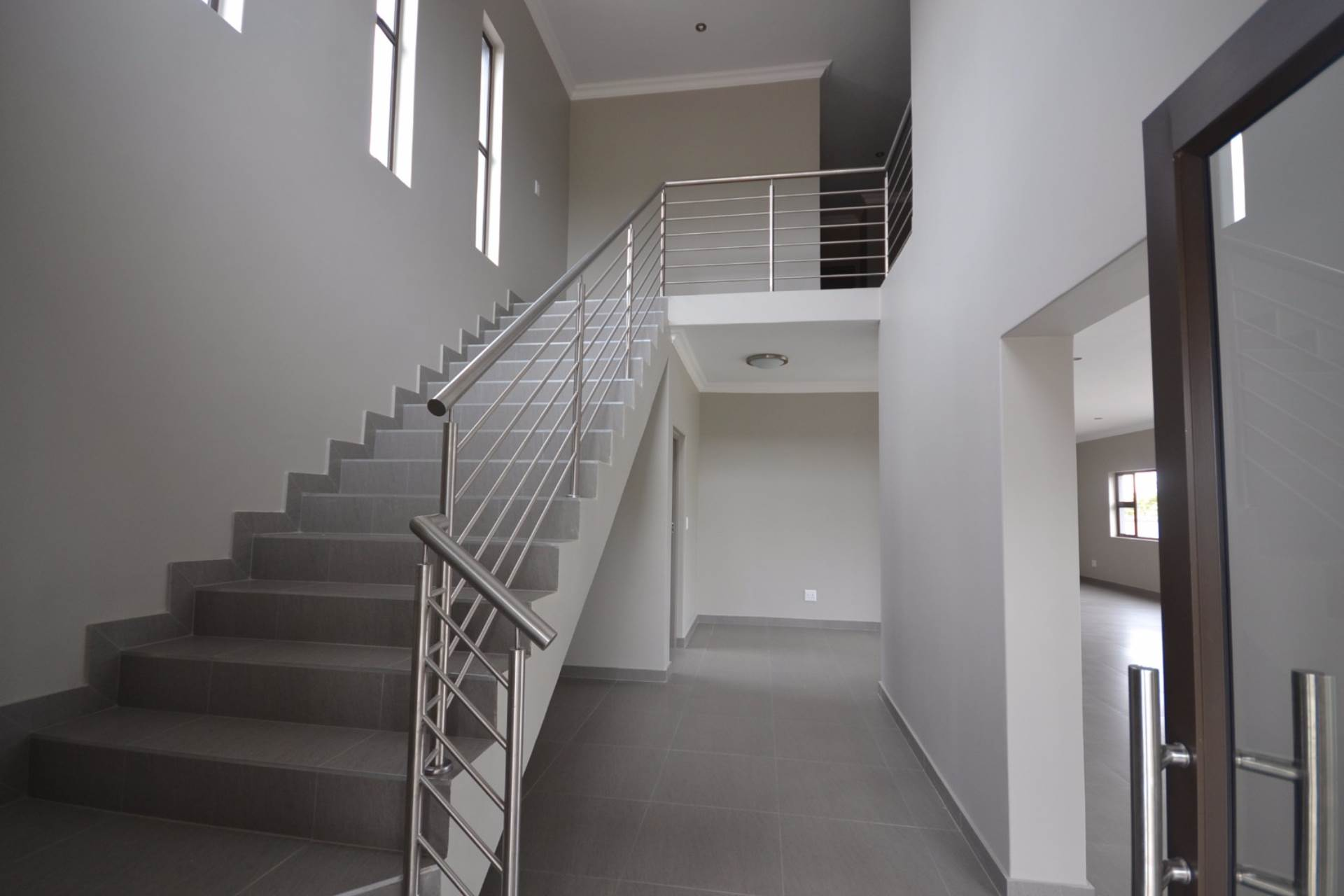 Olympus property for sale. Ref No: 13563411. Picture no 10