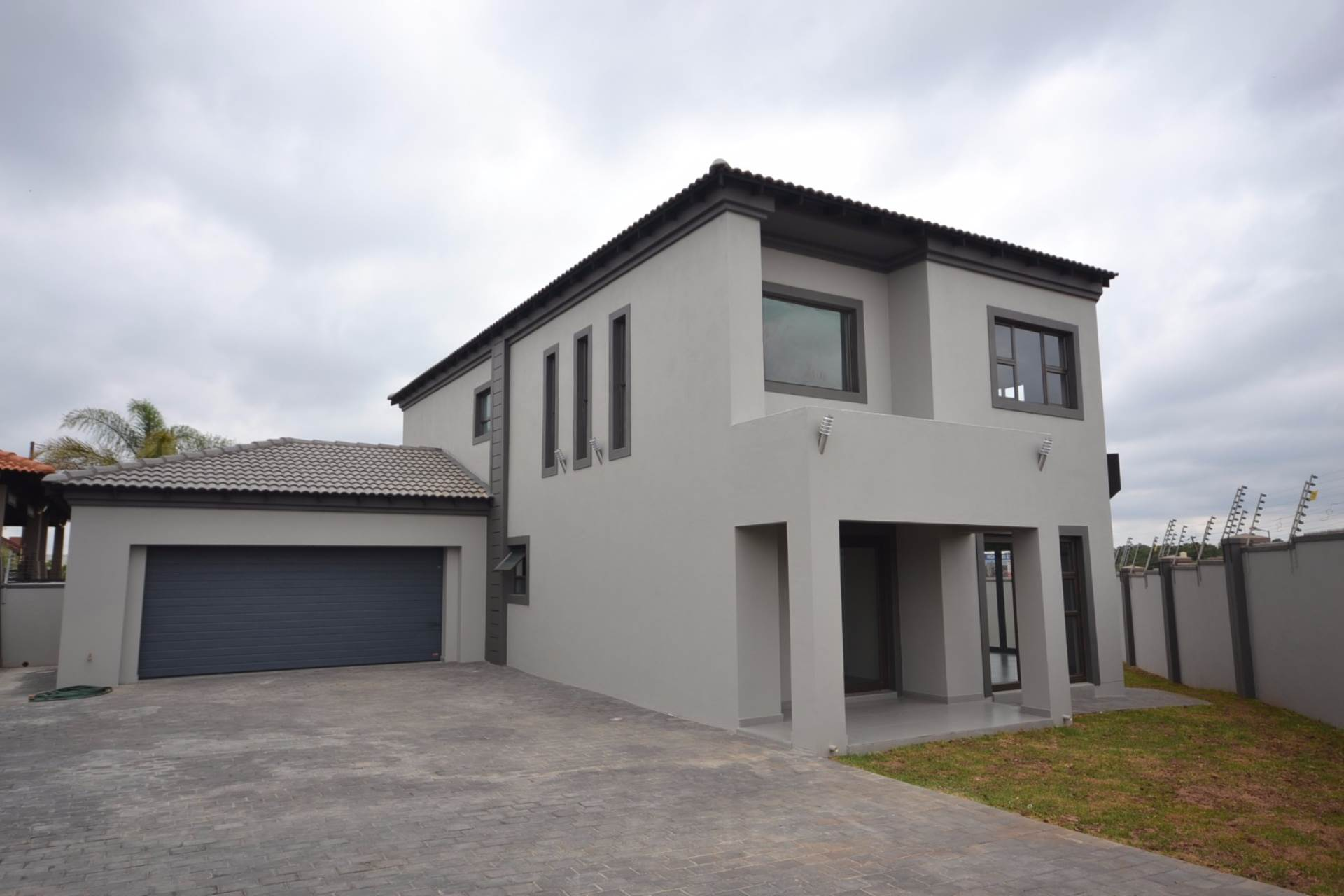 Olympus property for sale. Ref No: 13563411. Picture no 17