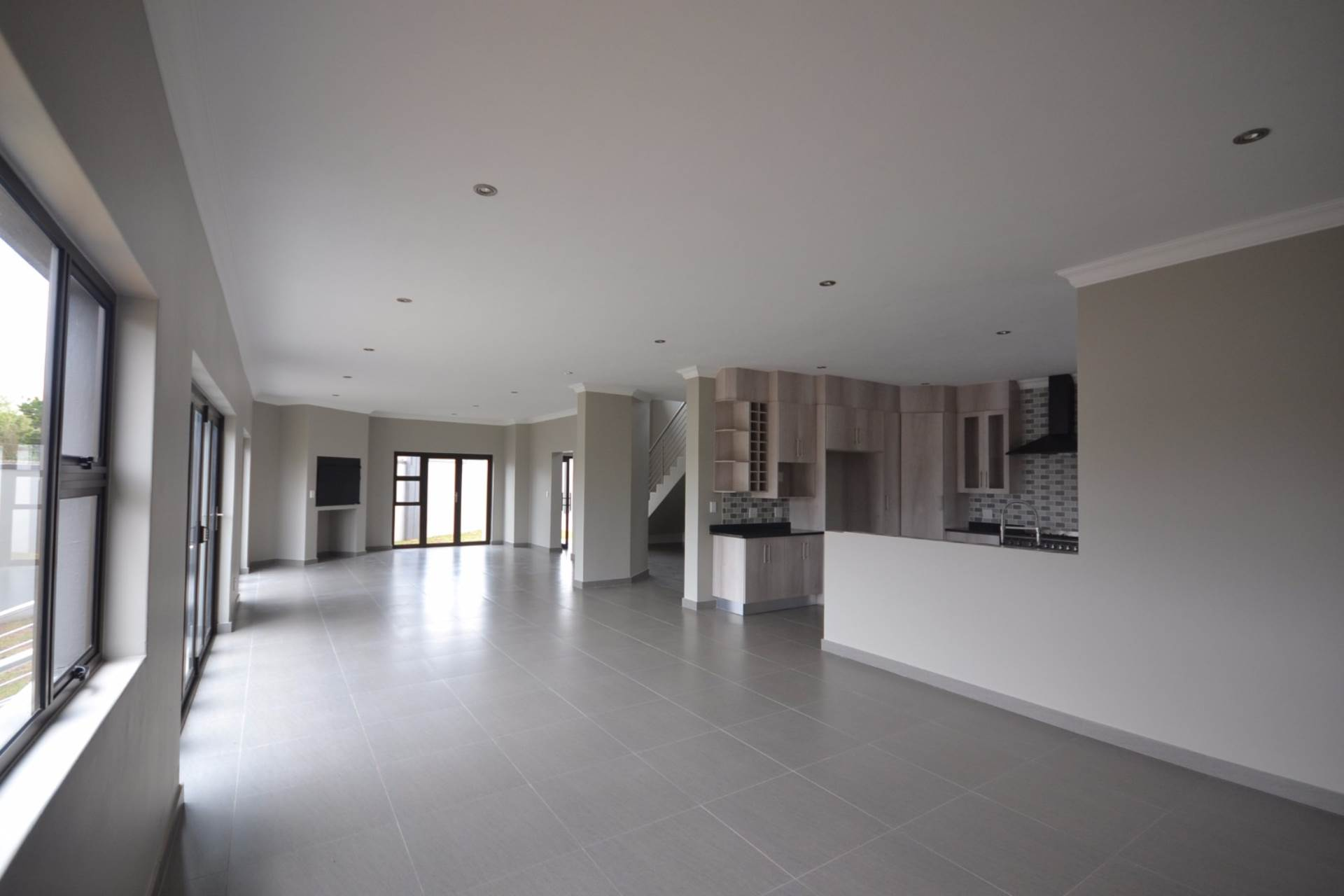Olympus property for sale. Ref No: 13563411. Picture no 4
