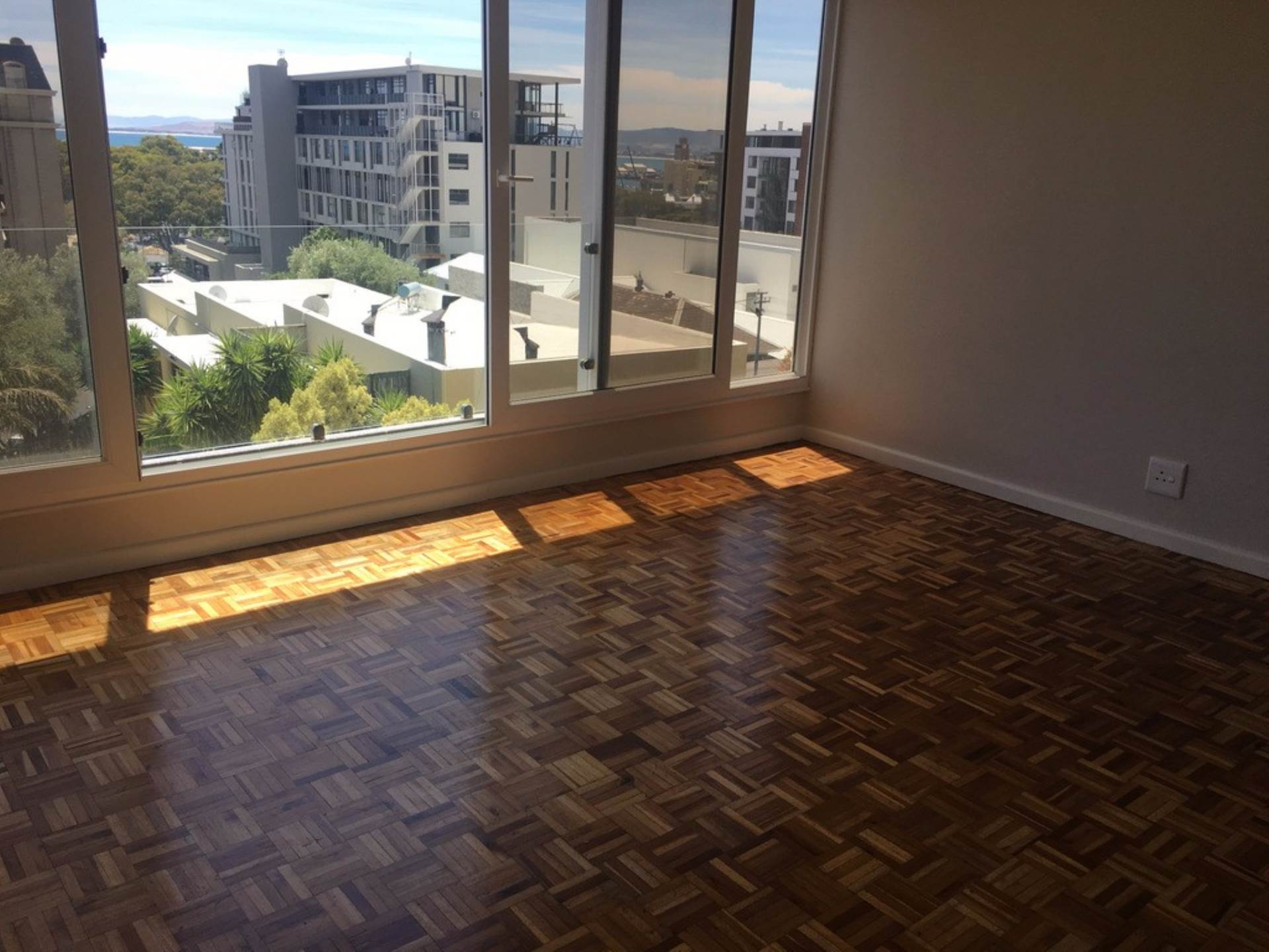 Green Point property to rent. Ref No: 13563477. Picture no 8