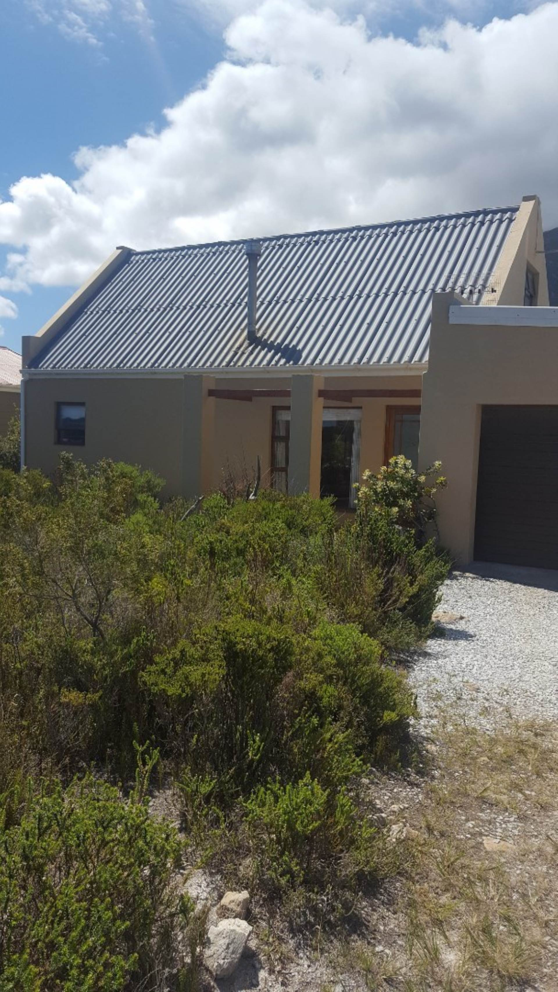 2 BedroomHouse For Sale In Bettys Bay