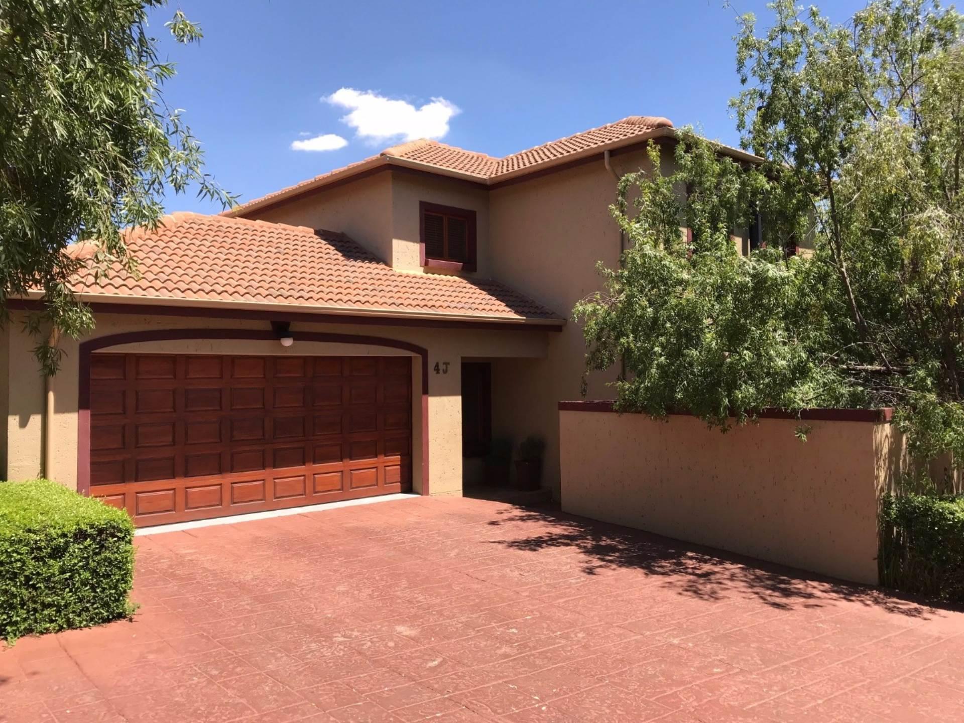 3 BedroomHouse For Sale In Midstream Estate