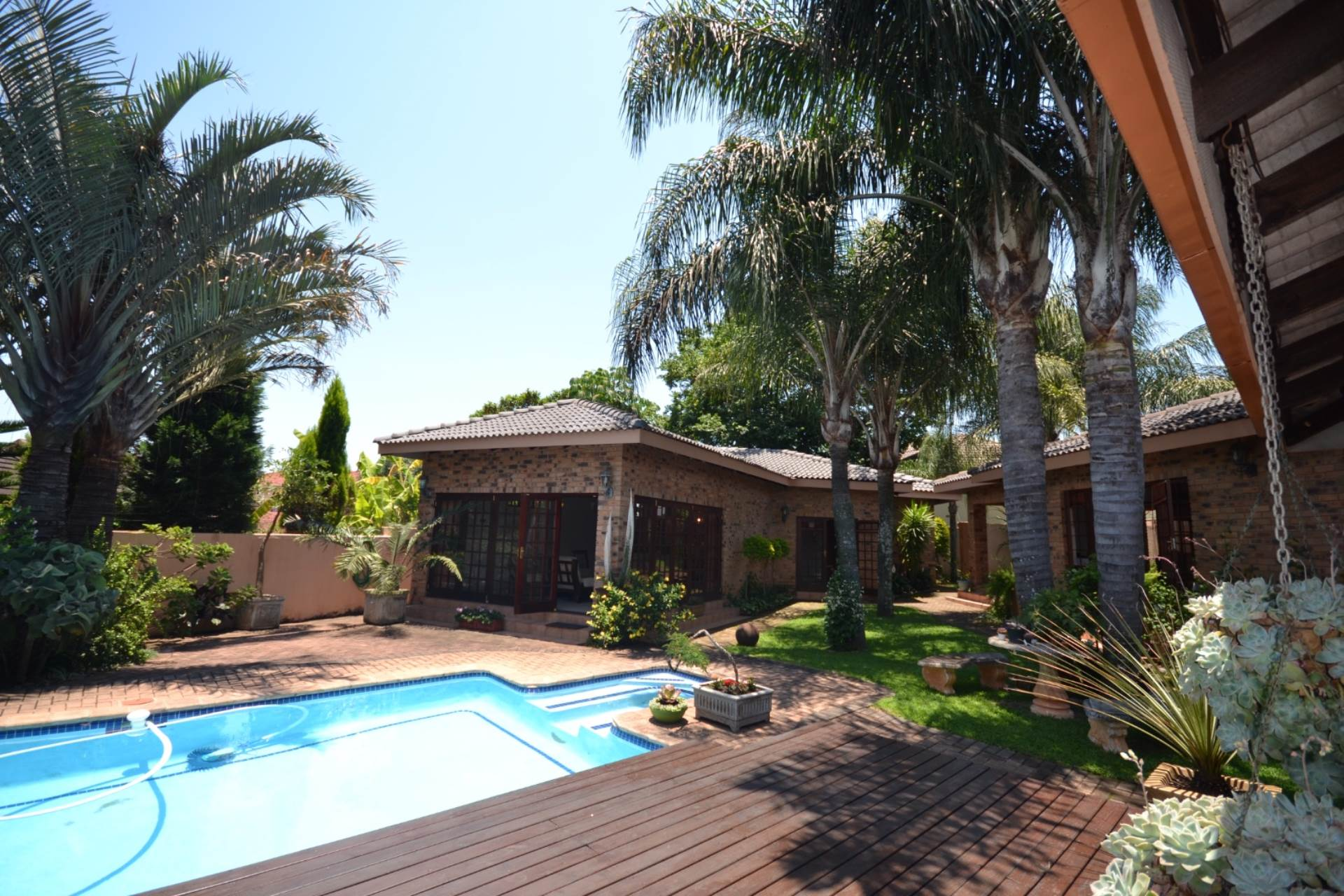 5 BedroomHouse For Sale In White River