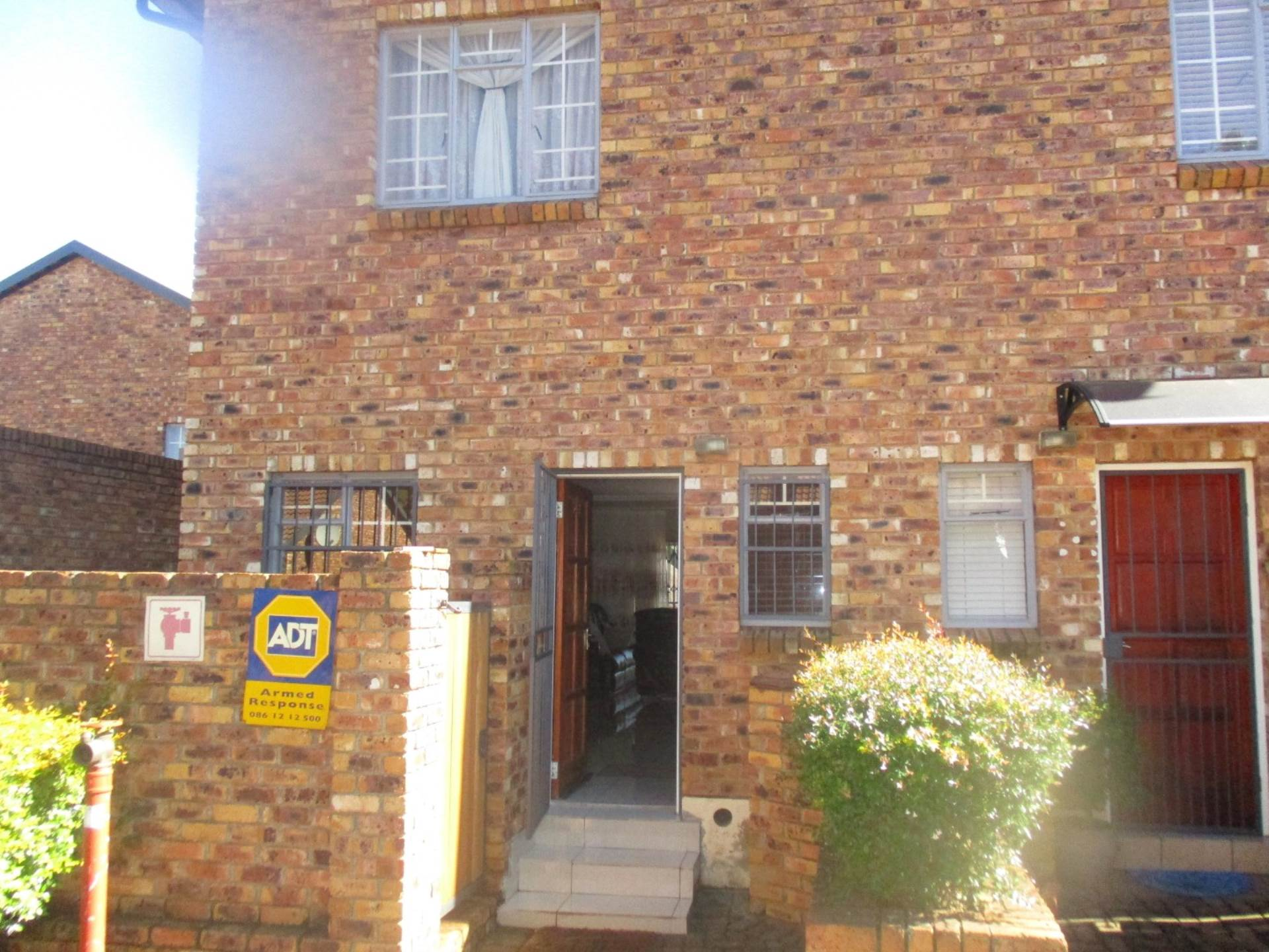 2 BedroomTownhouse For Sale In Hennopspark