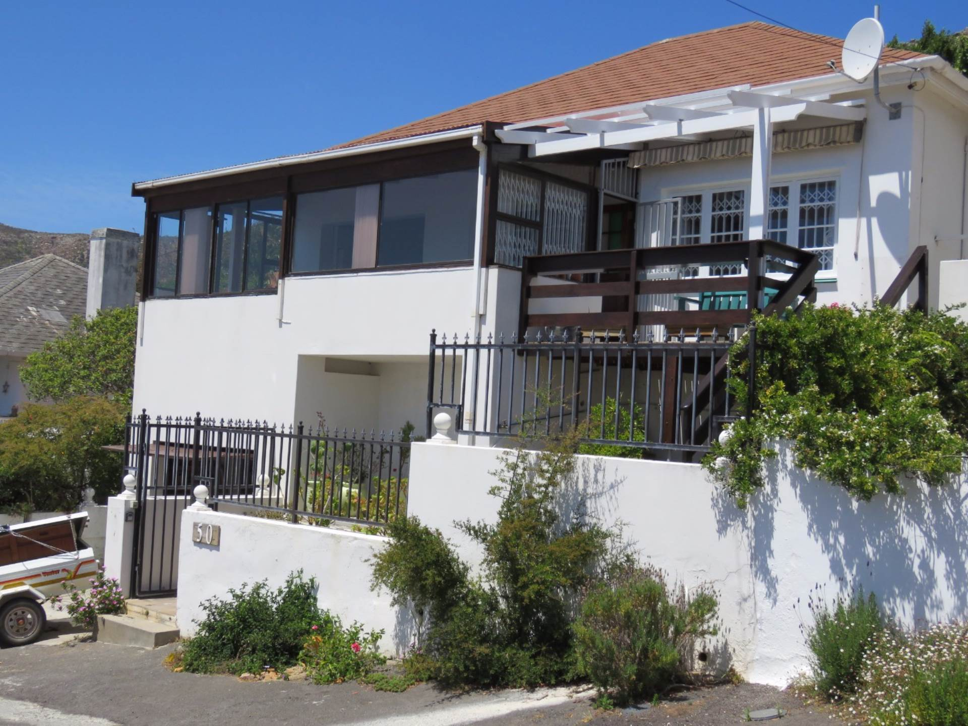 3 BedroomHouse To Rent In Simons Town