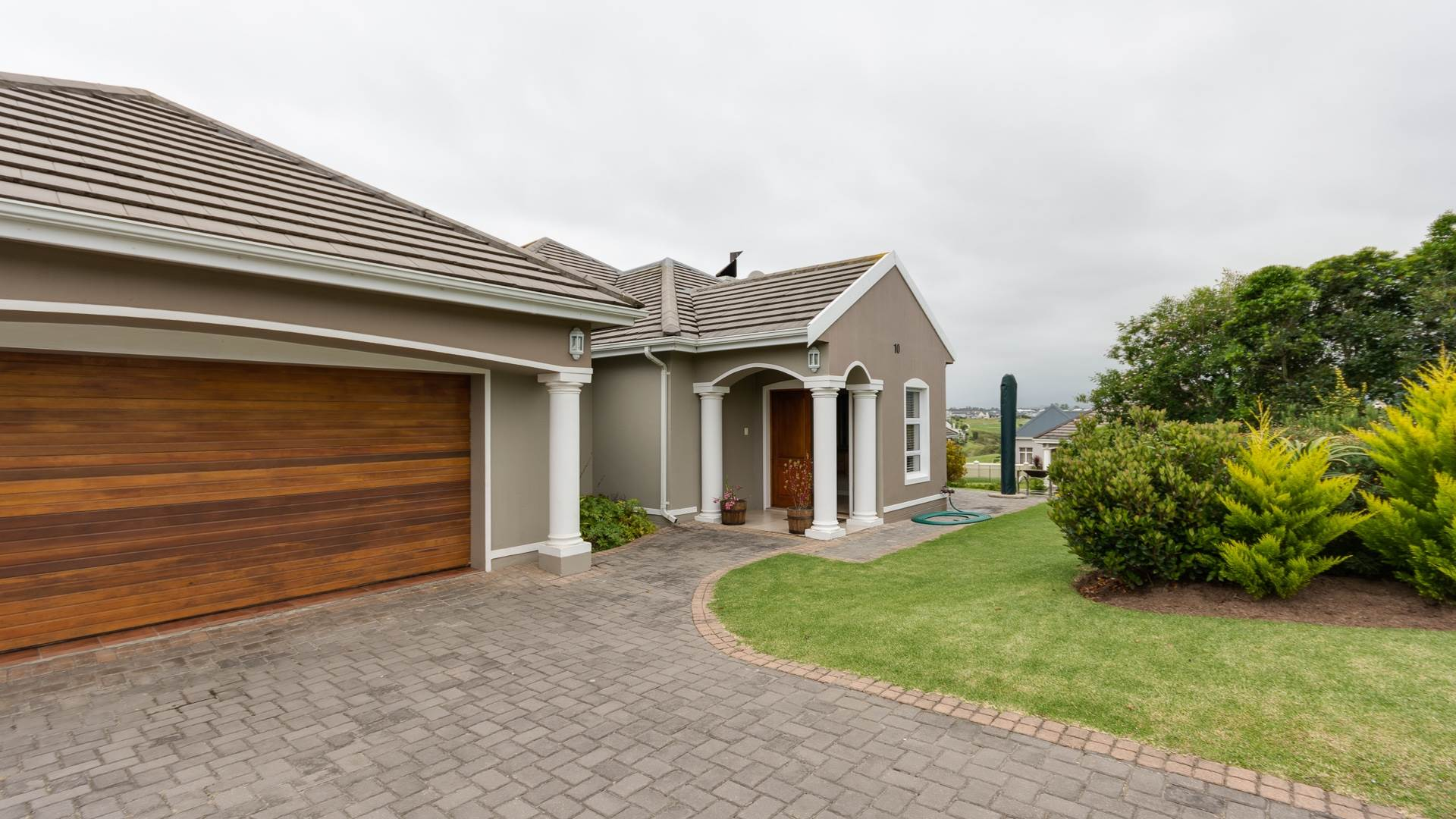 3 BedroomHouse For Sale In Kingswood Golf Estate