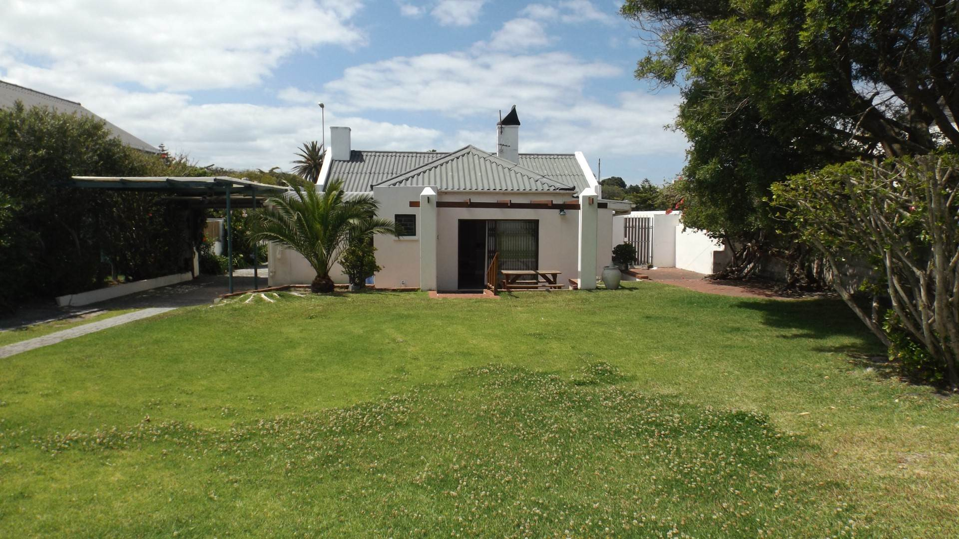 5 BedroomHouse For Sale In Eastcliff