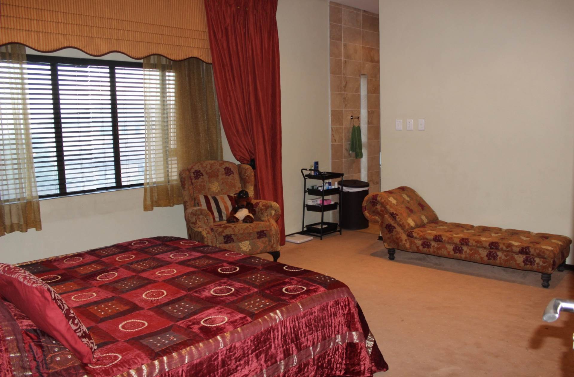 Woodland Hills property for sale. Ref No: 13565511. Picture no 21