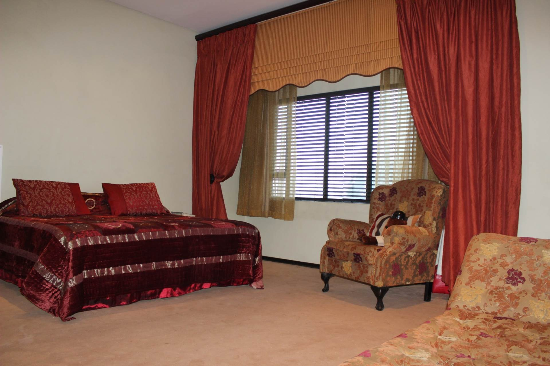 Woodland Hills property for sale. Ref No: 13565511. Picture no 20