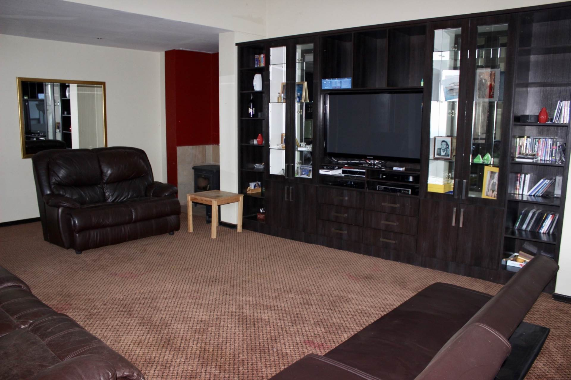 Woodland Hills property for sale. Ref No: 13565511. Picture no 18