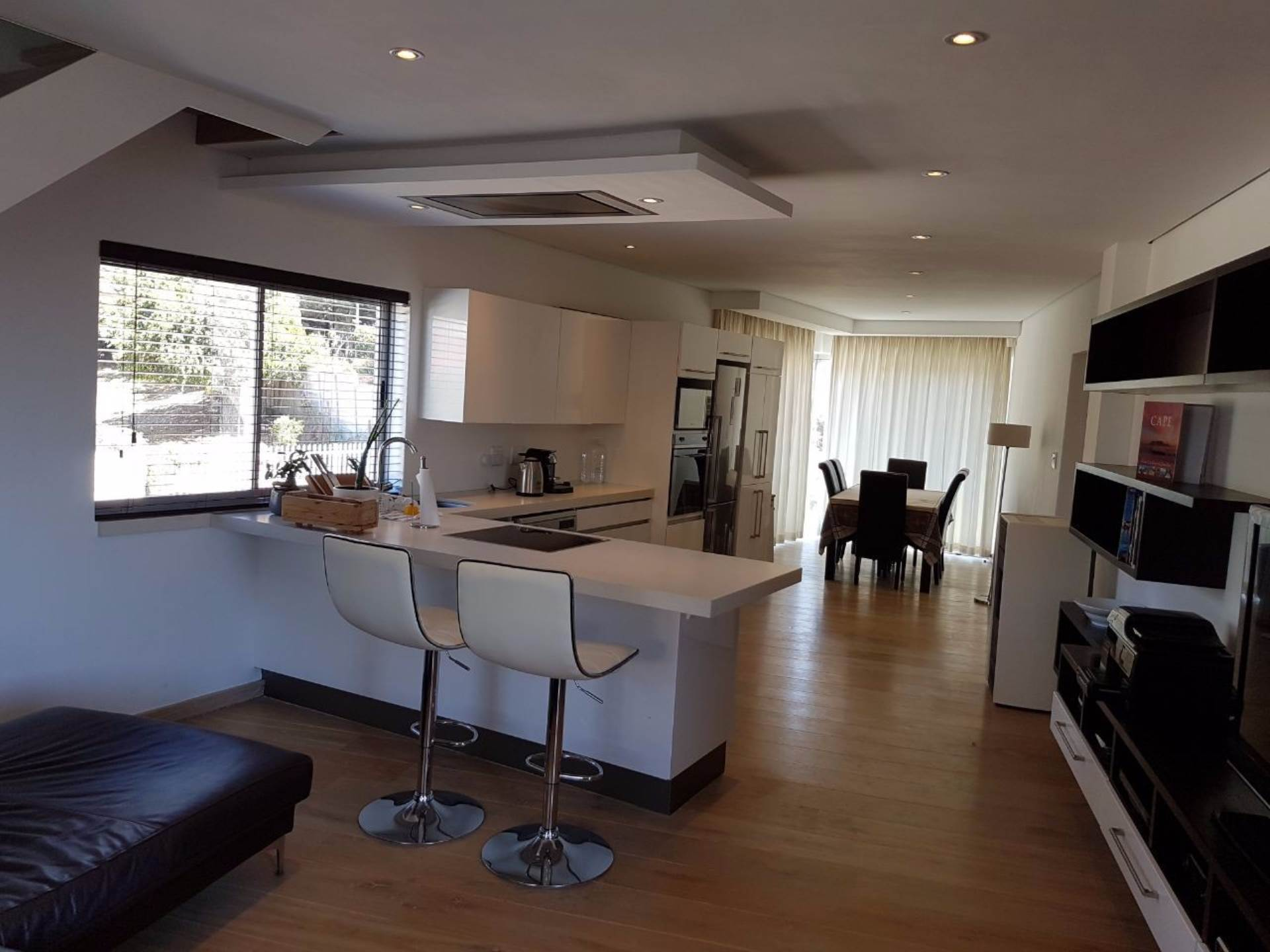 Bantry Bay property to rent. Ref No: 13565551. Picture no 6