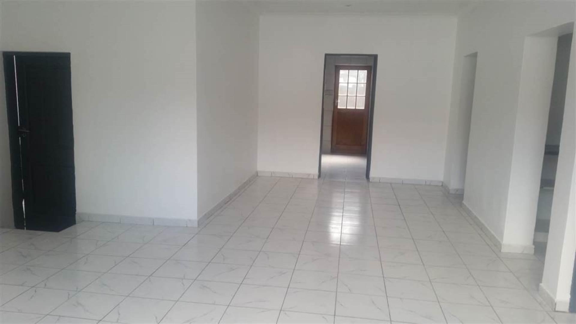 3 BedroomApartment To Rent In Westdene