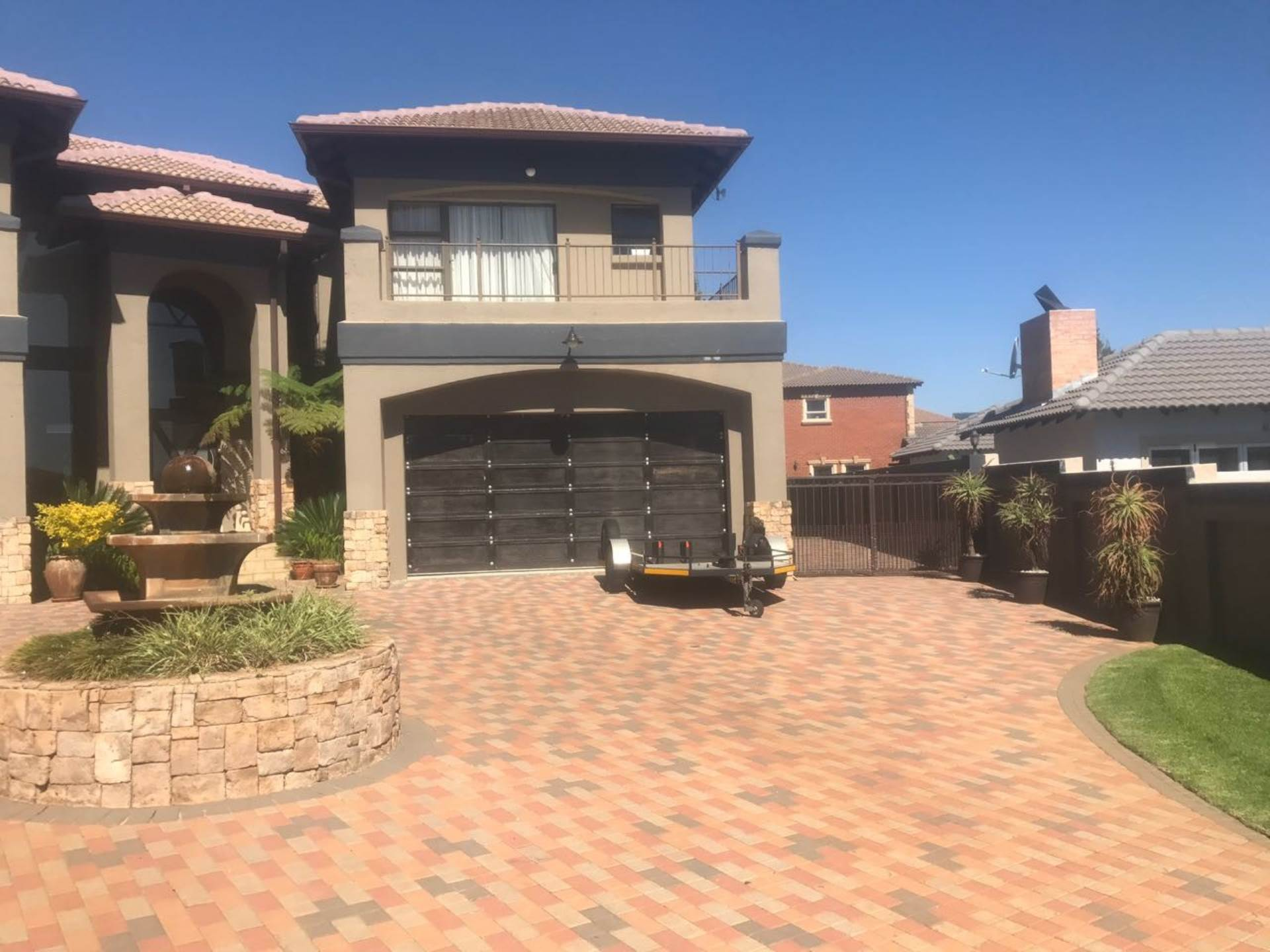 5 BedroomHouse For Sale In Ebotse Golf And Country Estate