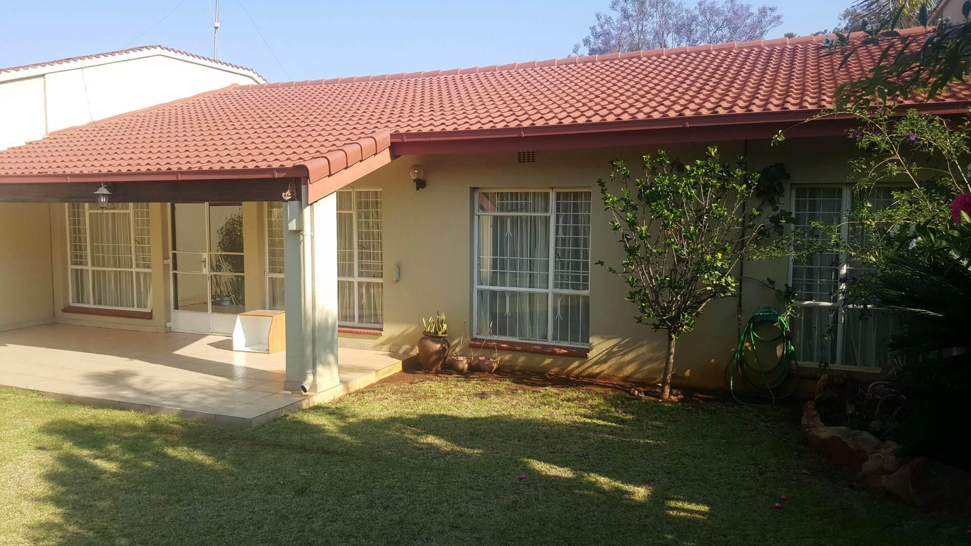3 BedroomTownhouse To Rent In Bruma