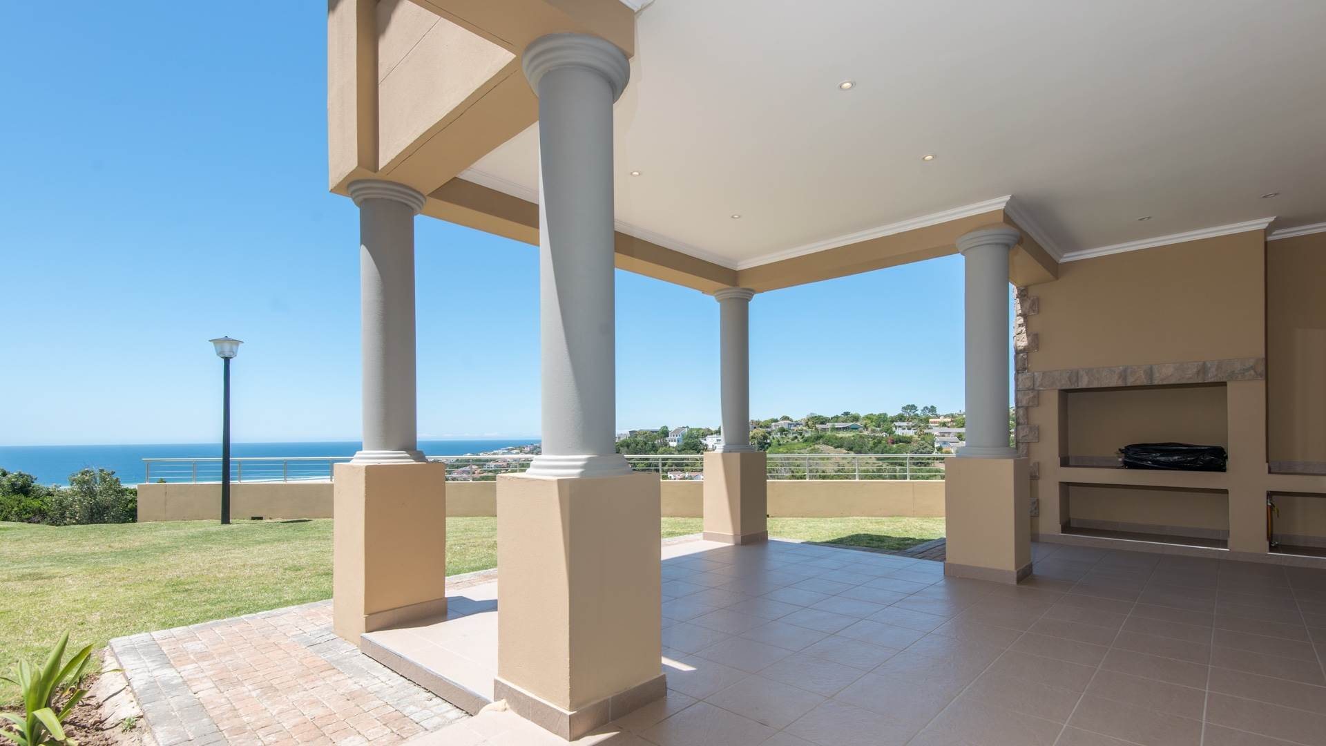 3 BedroomApartment For Sale In Plettenberg Bay