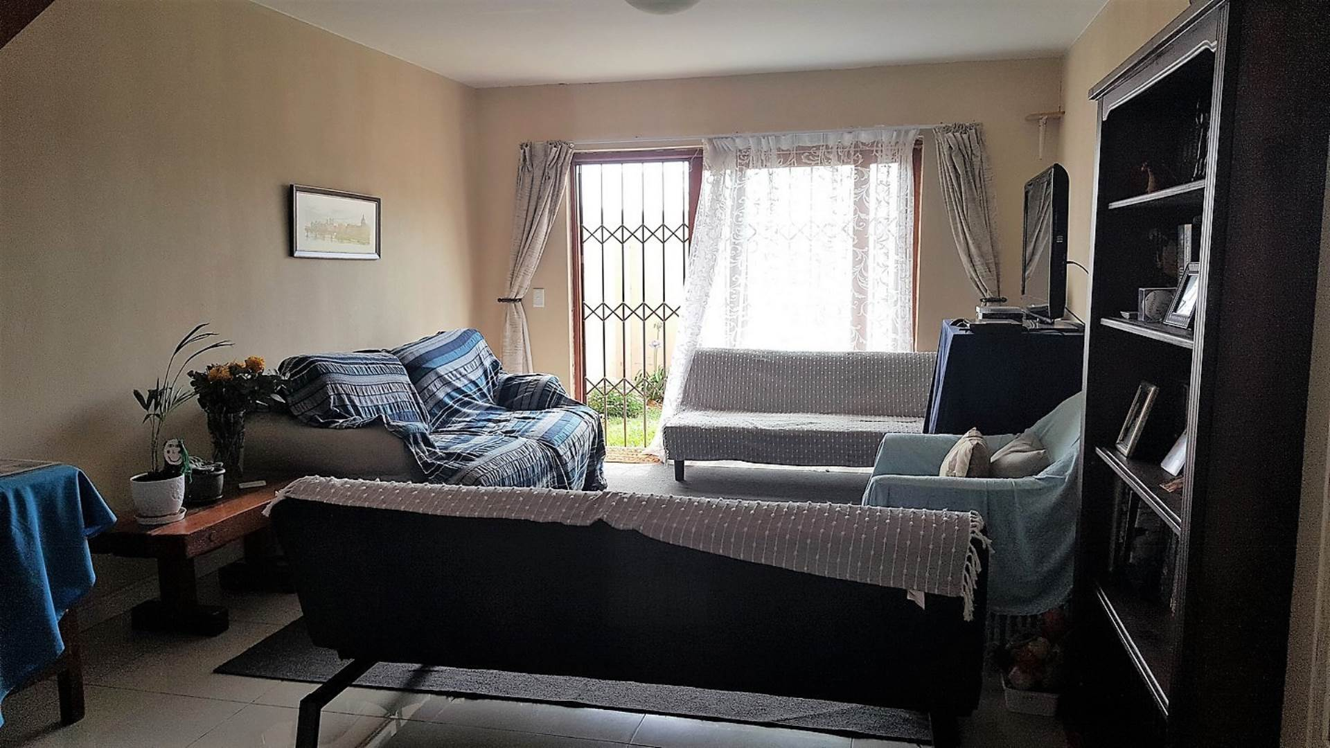 2 BedroomTownhouse To Rent In Suideroord