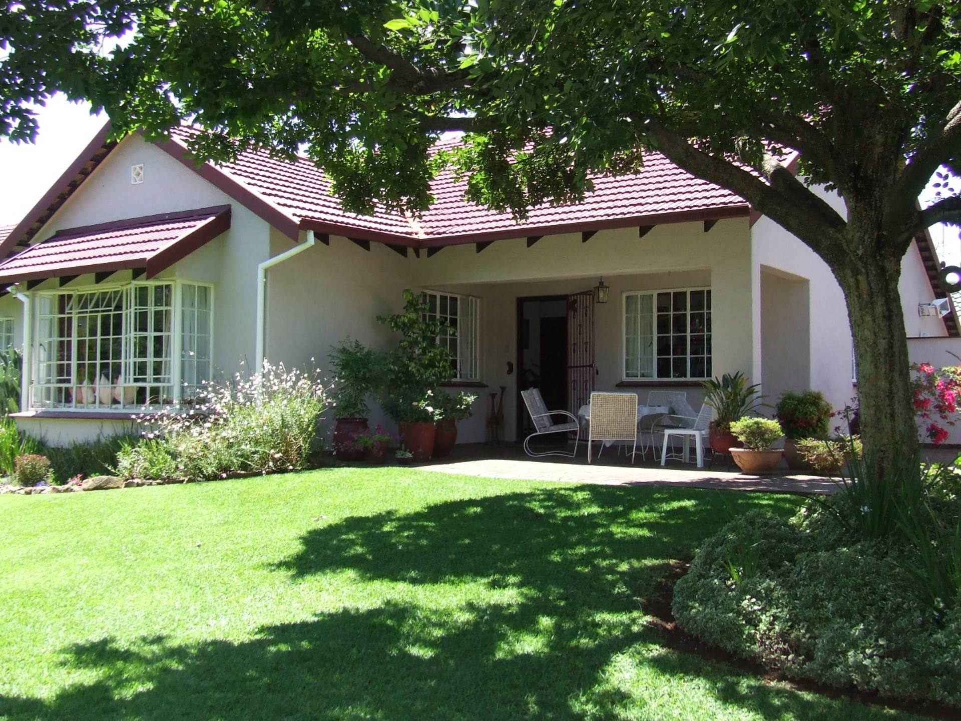 3 BedroomHouse To Rent In Cresta