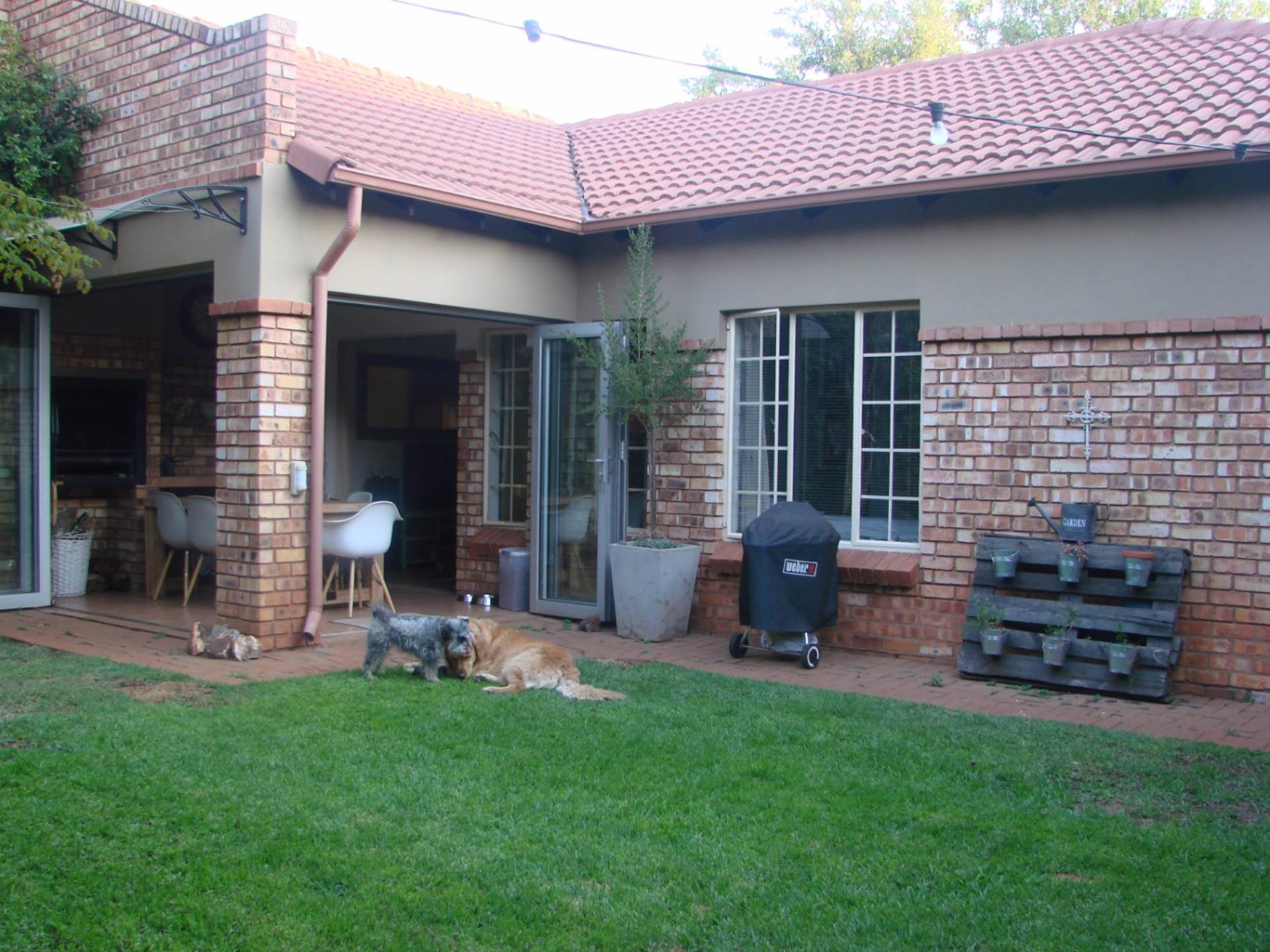 3 BedroomTownhouse To Rent In Rietvalleirand & Ext