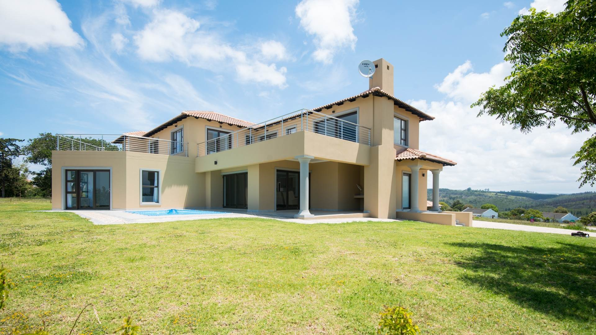 4 BedroomHouse For Sale In Plettenberg Bay