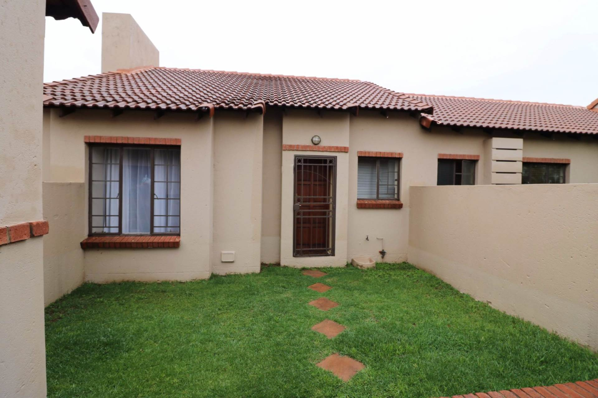 Mooikloof Ridge property for sale. Ref No: 13567816. Picture no 6
