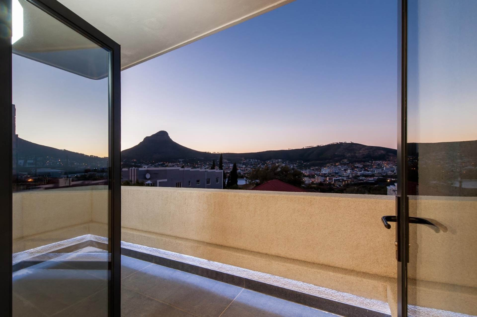 Vredehoek property to rent. Ref No: 13567965. Picture no 3