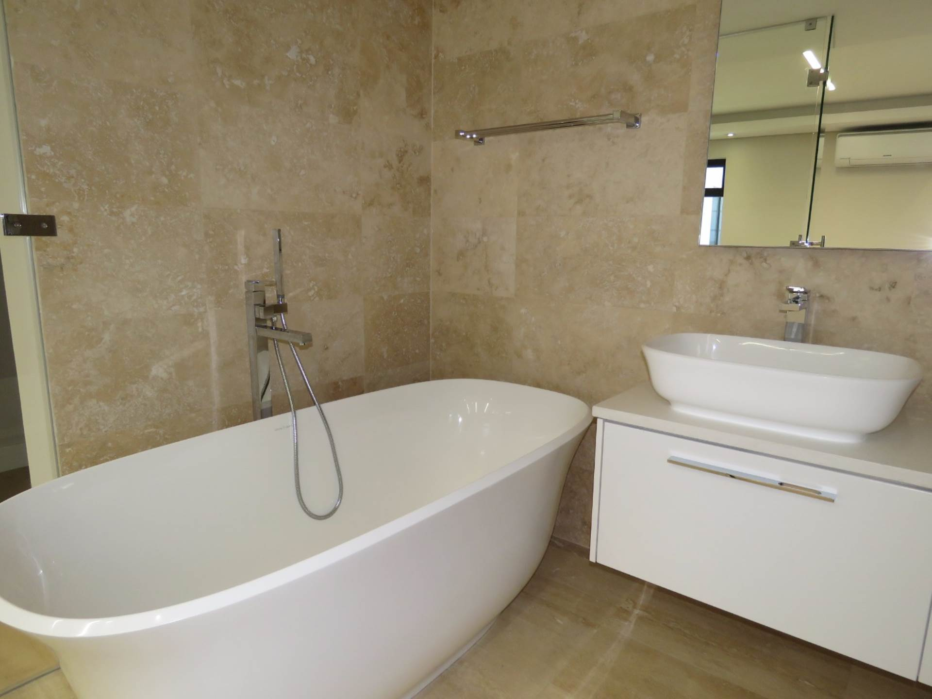 Vredehoek property to rent. Ref No: 13567965. Picture no 10