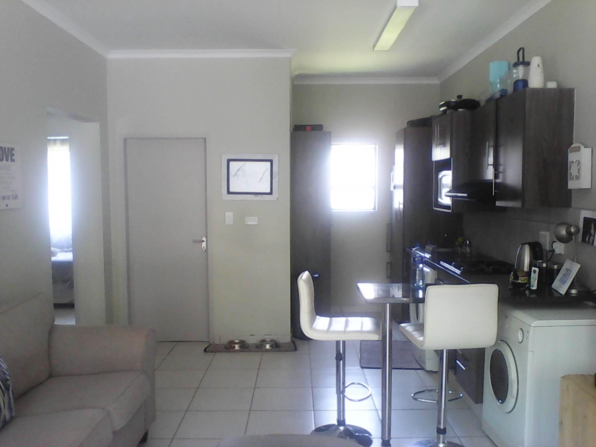 2 BedroomTownhouse To Rent In Cloverdene