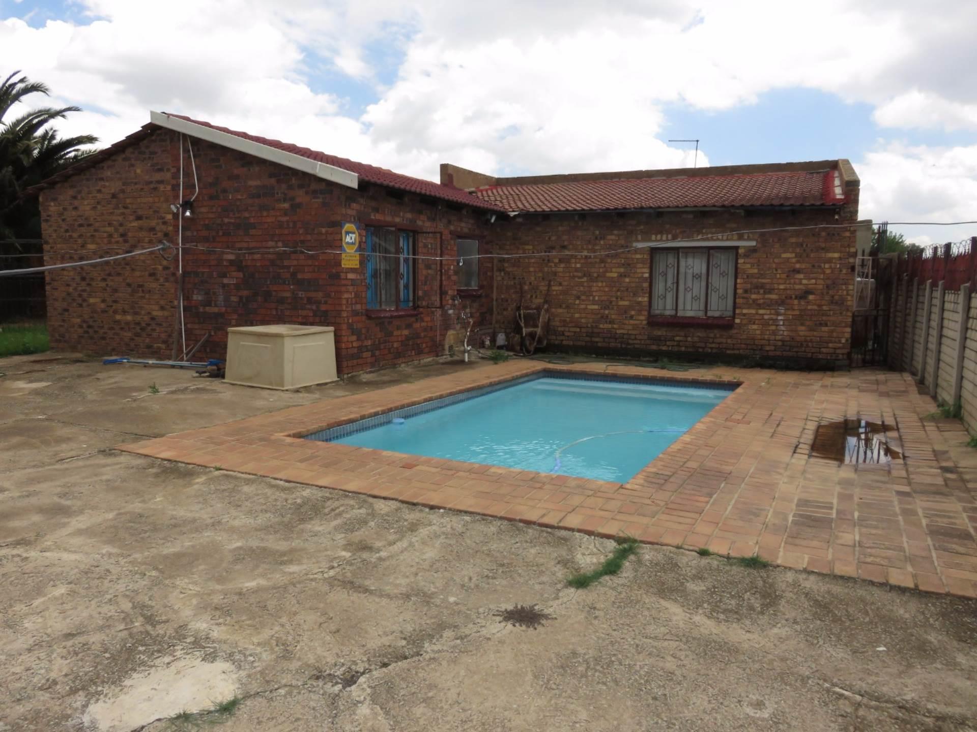 3 BedroomHouse For Sale In Delmore