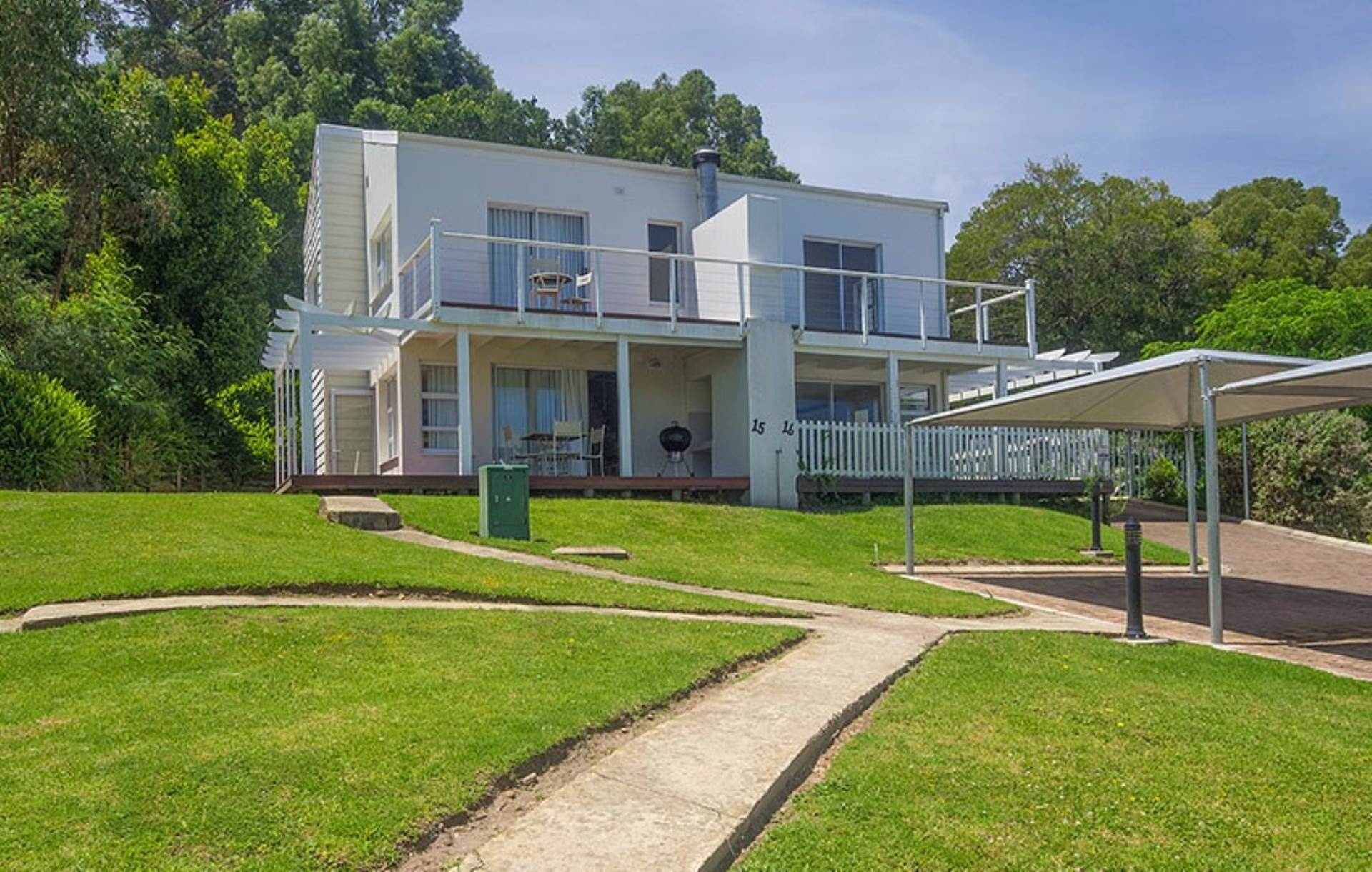 2 BedroomTownhouse For Sale In Knysna Central