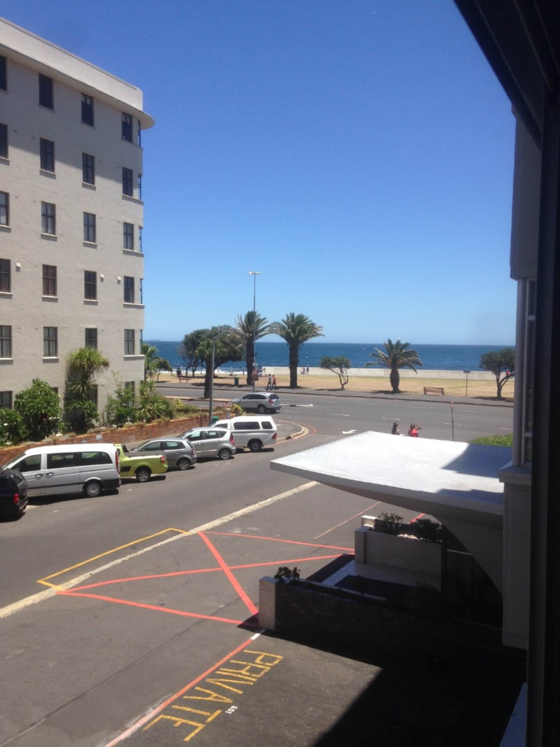 Sea Point property to rent. Ref No: 13475352. Picture no 4