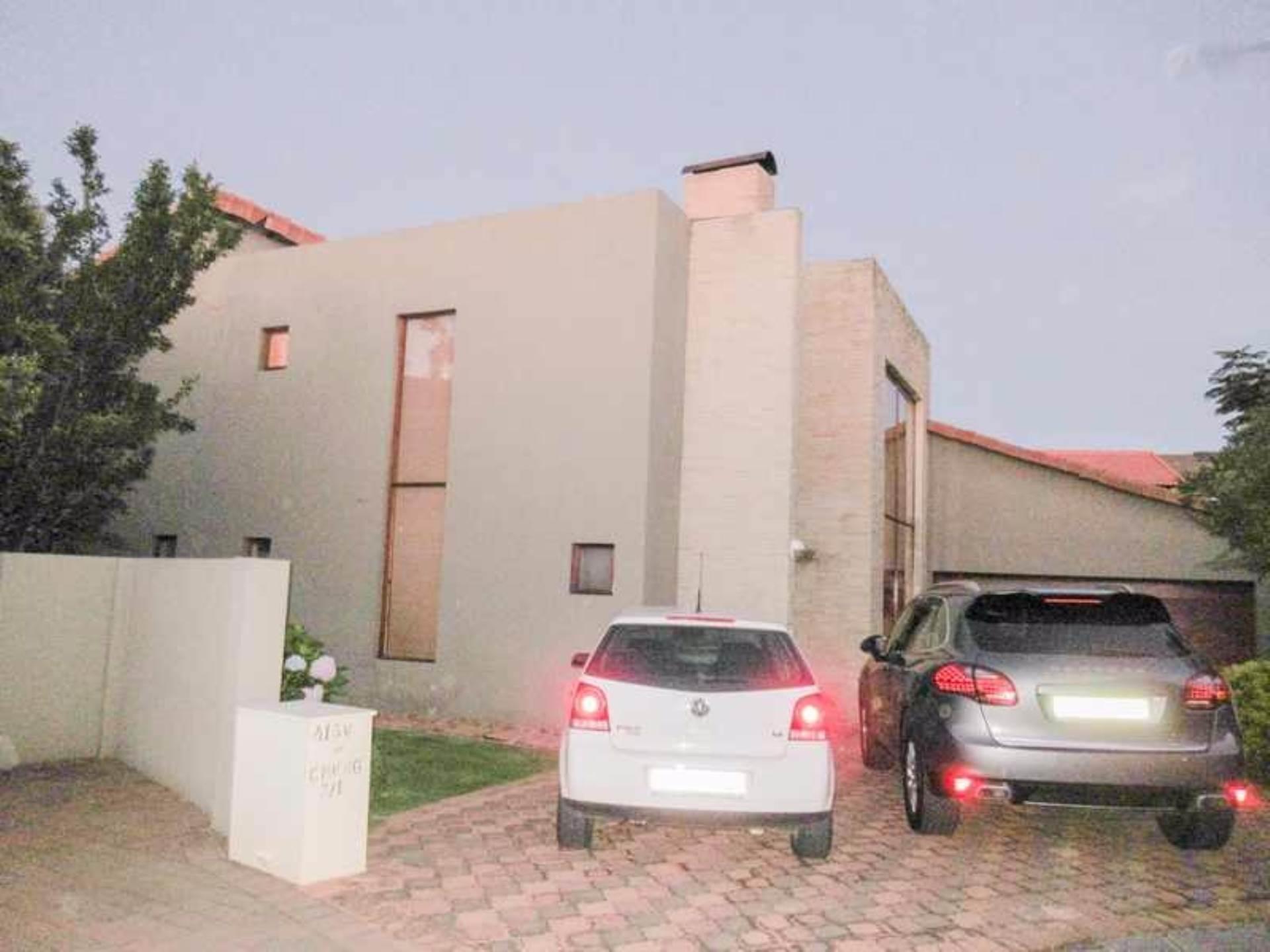 4 BedroomHouse To Rent In Fourways