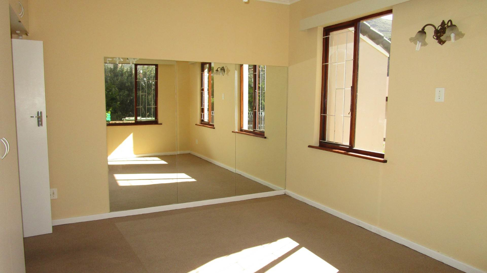Fish Hoek property for sale. Ref No: 13569687. Picture no 9