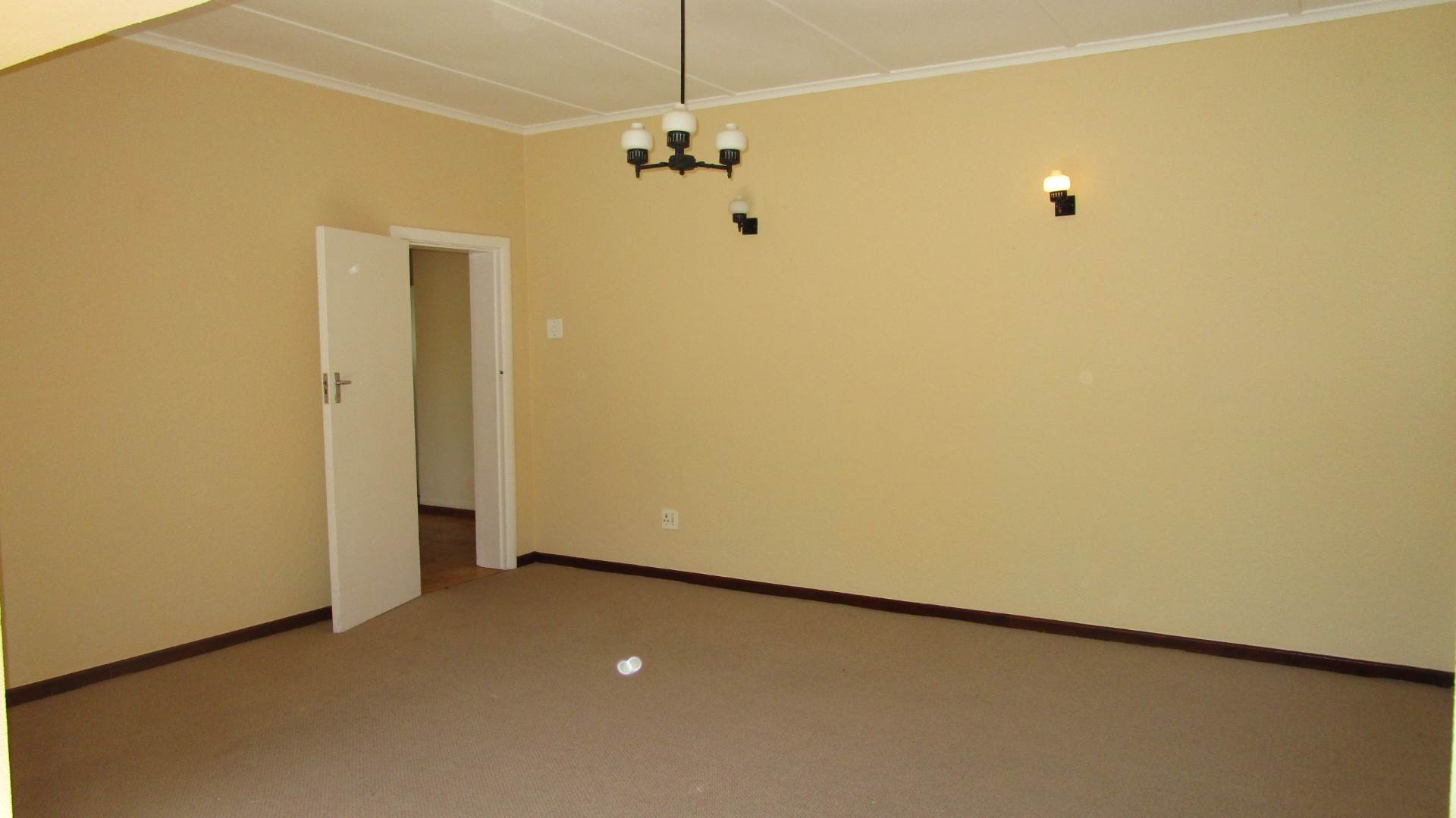 Fish Hoek property for sale. Ref No: 13569687. Picture no 5