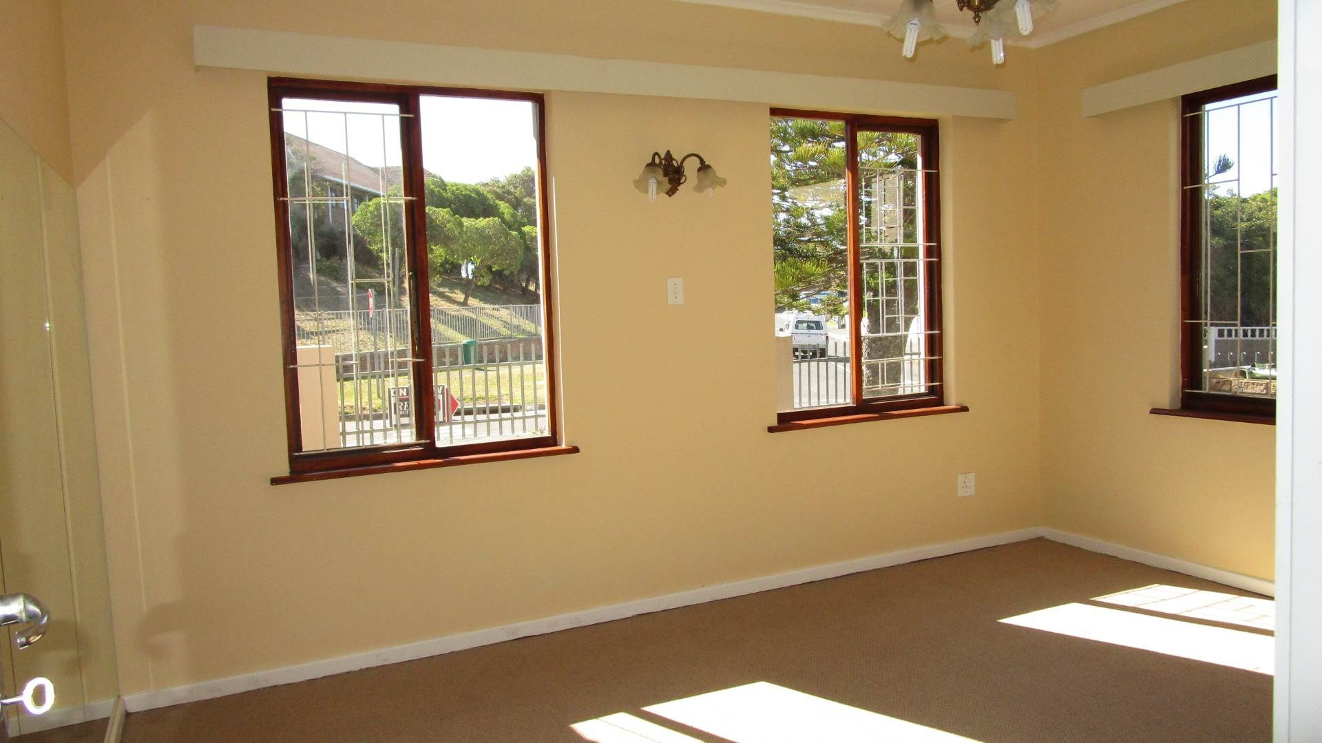 Fish Hoek property for sale. Ref No: 13569687. Picture no 8
