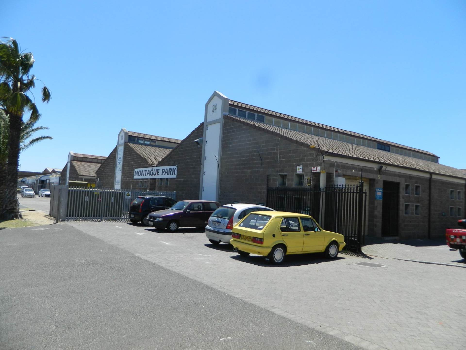 Milnerton, Montagu Gardens Property  | Houses For Sale Montagu Gardens, MONTAGU GARDENS, Commercial  property for sale Price:1,150,000