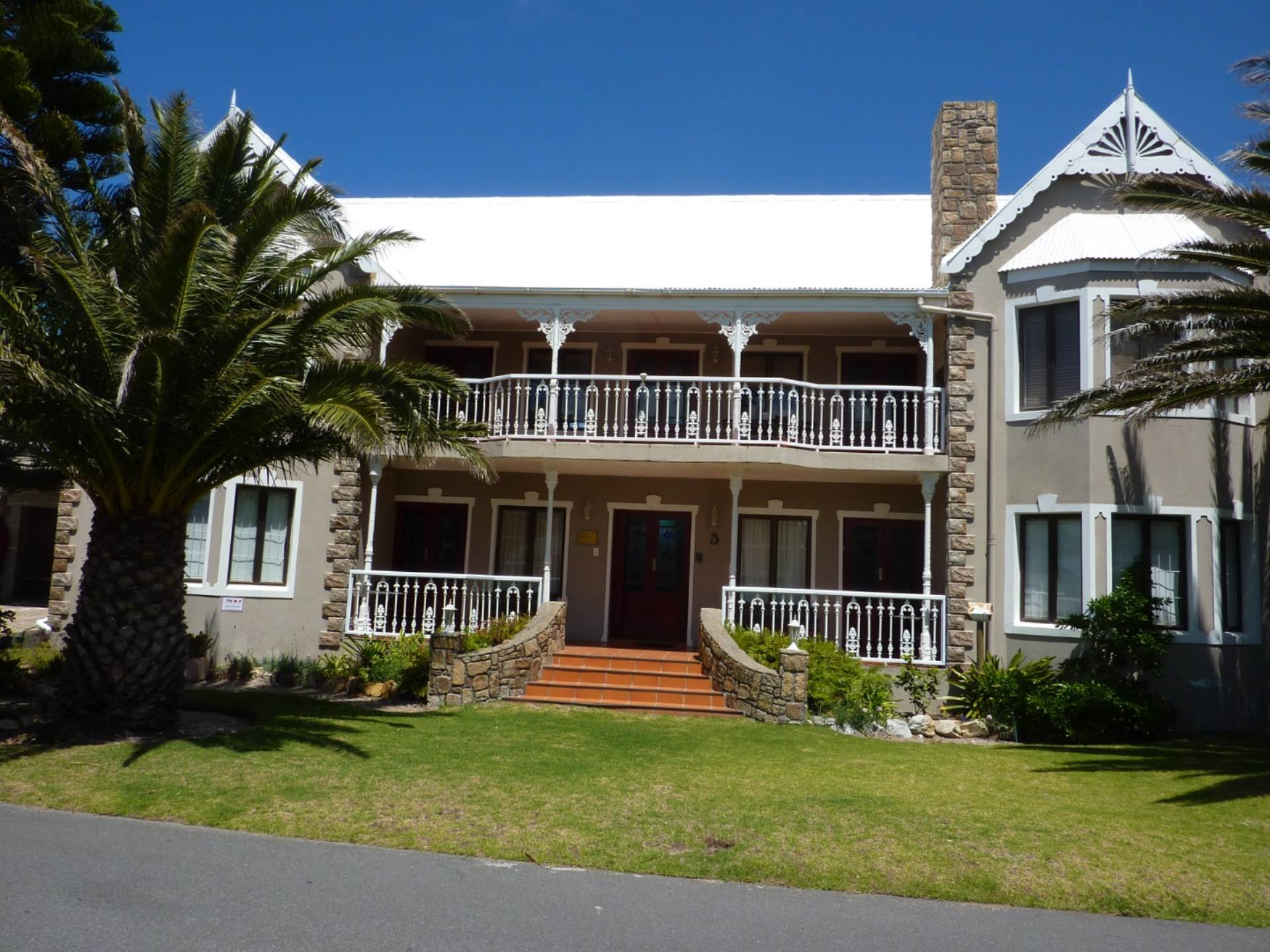 7 BedroomGuest House For Sale In Kleinmond