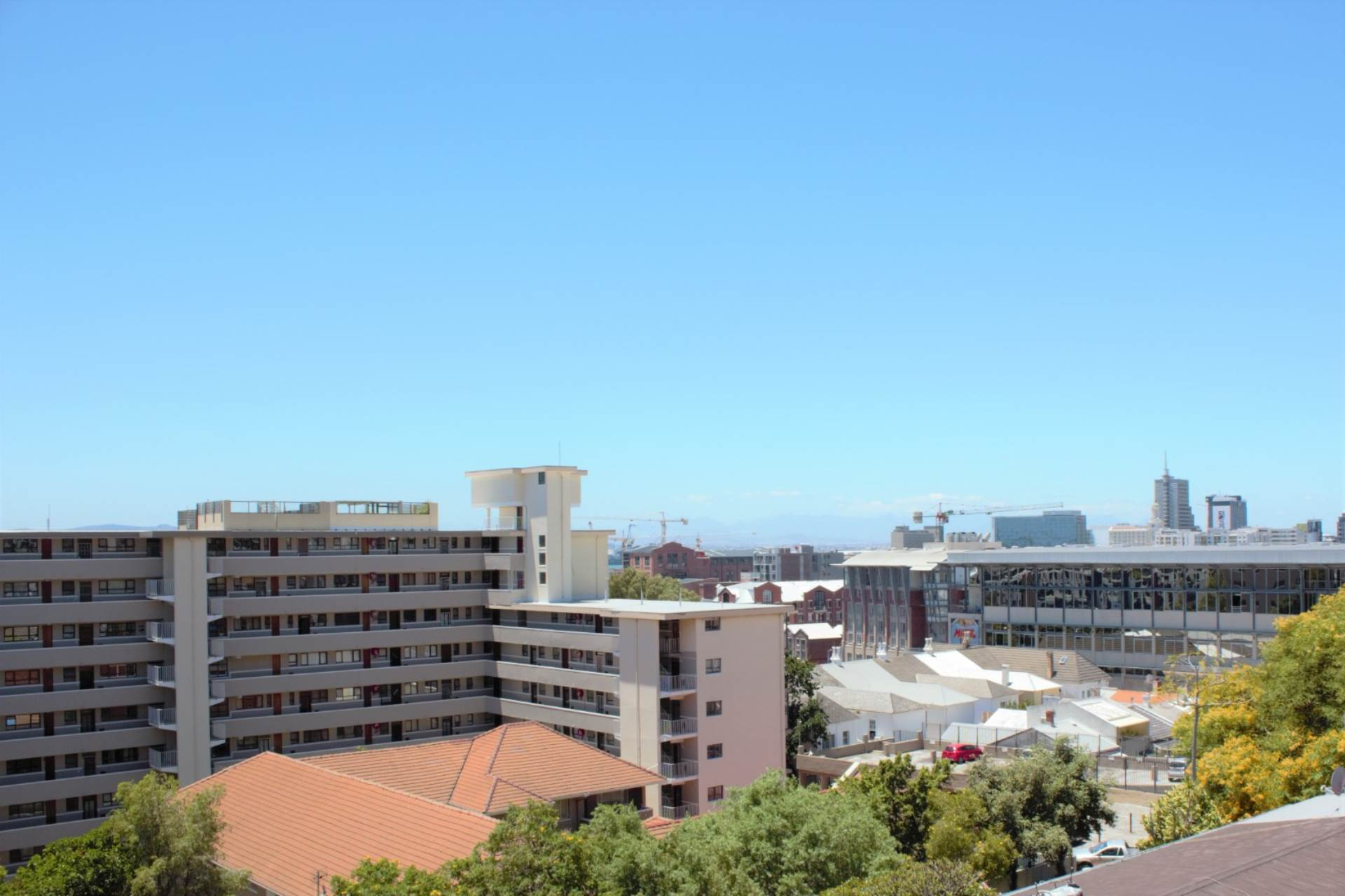 Green Point property for sale. Ref No: 13561762. Picture no 20