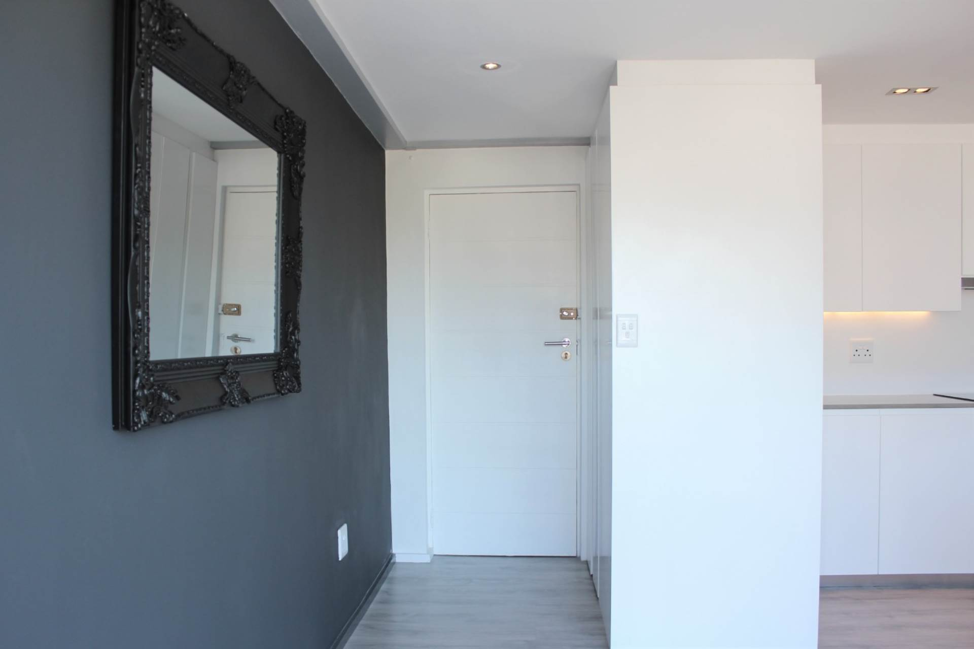 Green Point property to rent. Ref No: 13561762. Picture no 5