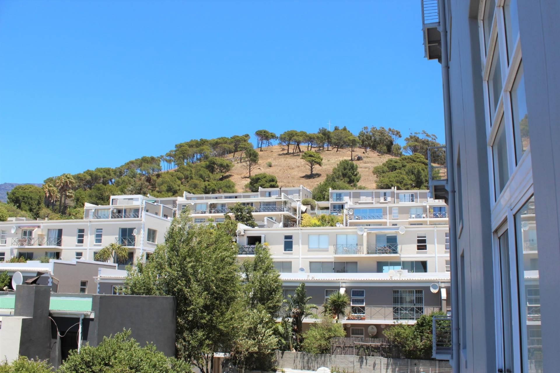 Green Point property to rent. Ref No: 13561762. Picture no 22