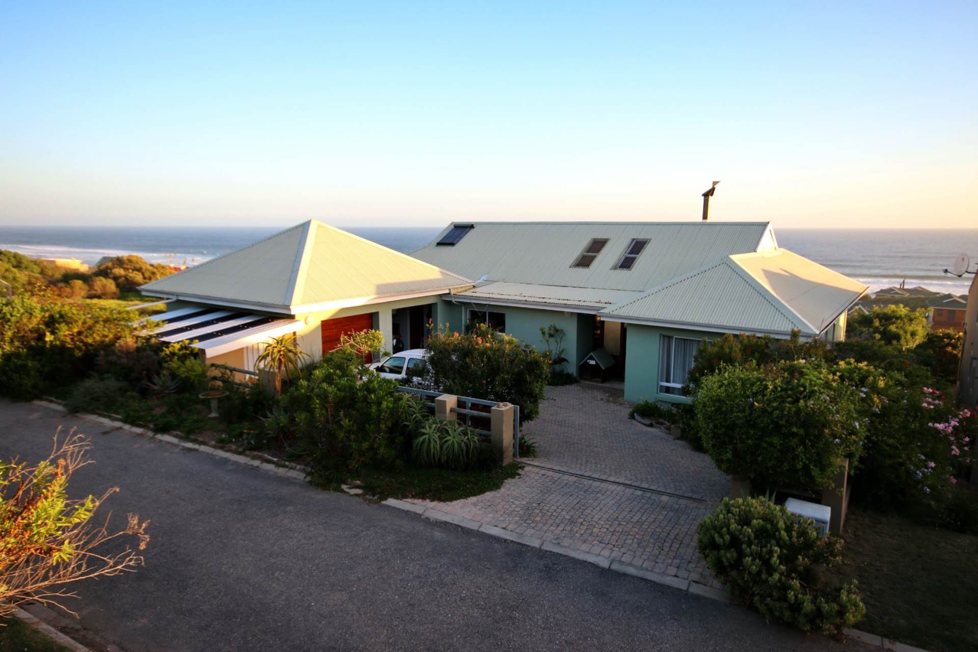 5 BedroomHouse For Sale In Dwarswegstrand